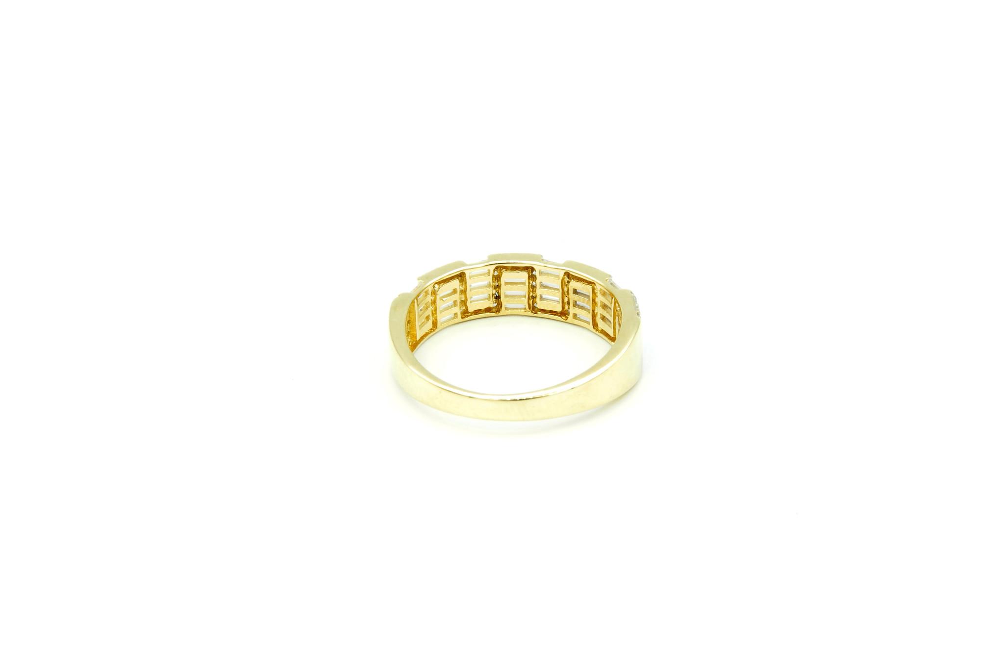 Ring met kantelen en langwerpige zirkonia's bicolor-4