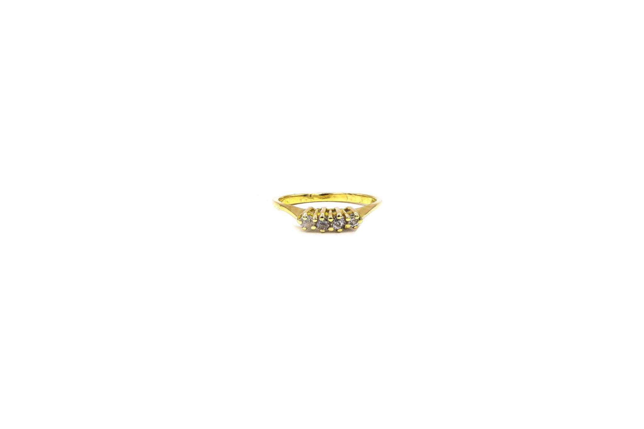 Ring met 4 zirkonia's ingezet-6