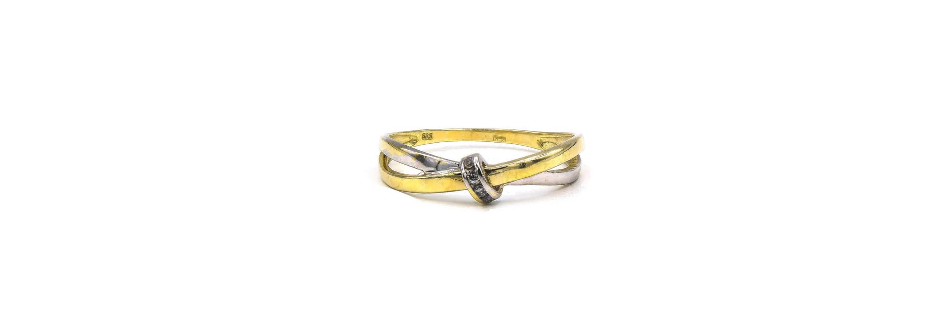 Ring twee gekruisde dunne stroken bicolor