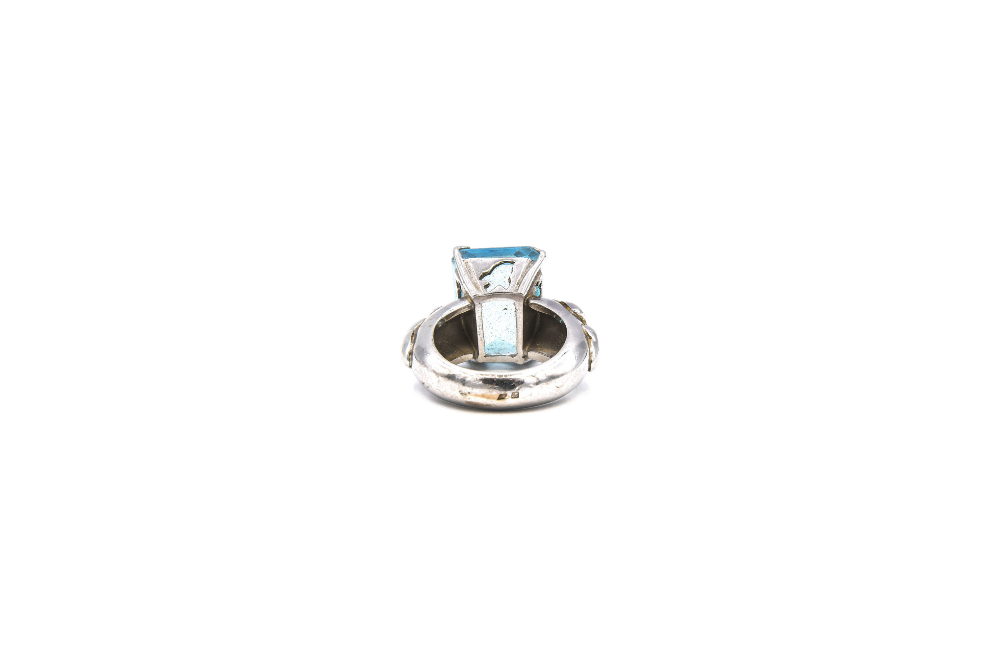 Ring met lichtblauwe steen witgoud-5