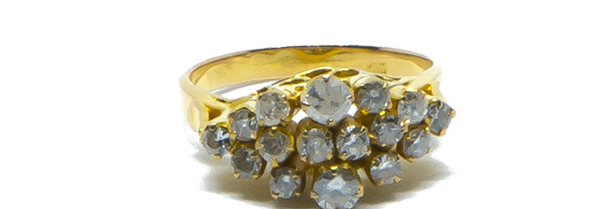 Ring met diamantjes in lagen