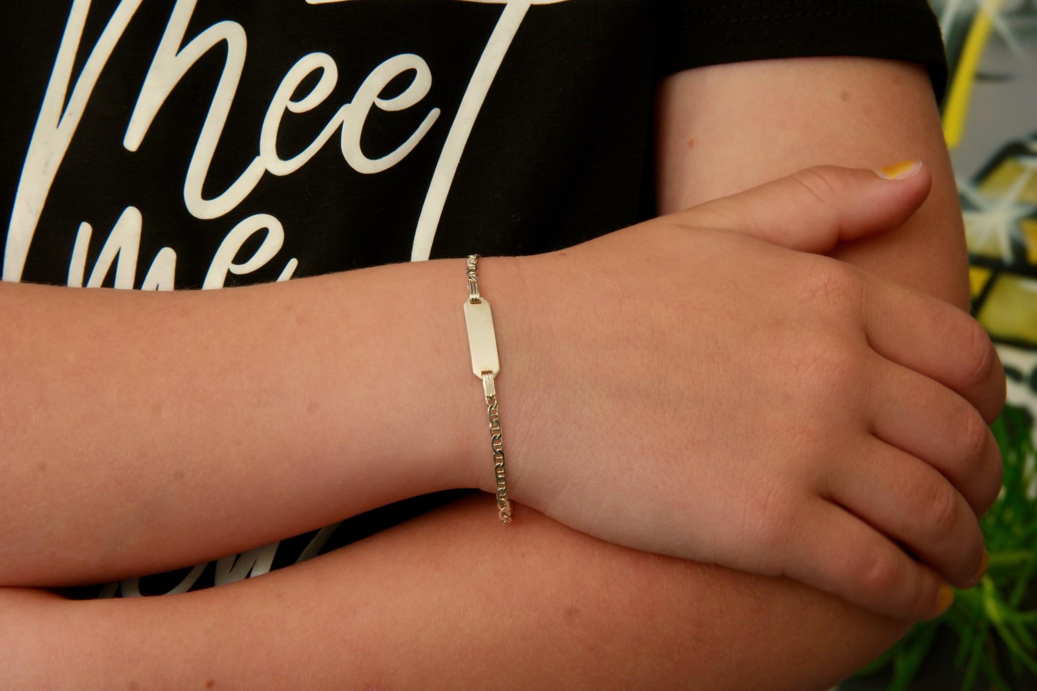 Armband infinityschakel met graveerbaar plaatje kinder zilver-2