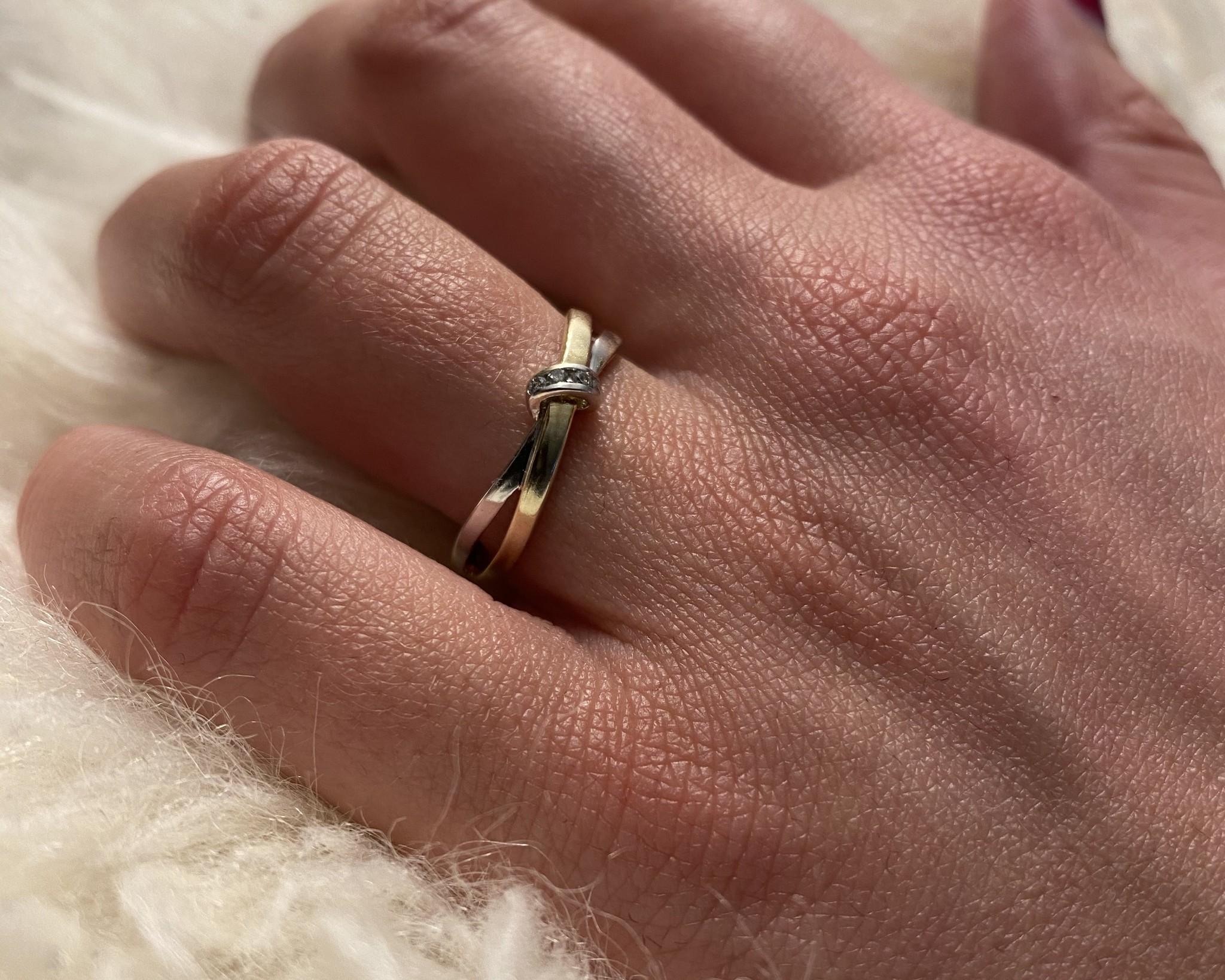 Ring twee gekruisde dunne stroken bicolor-2