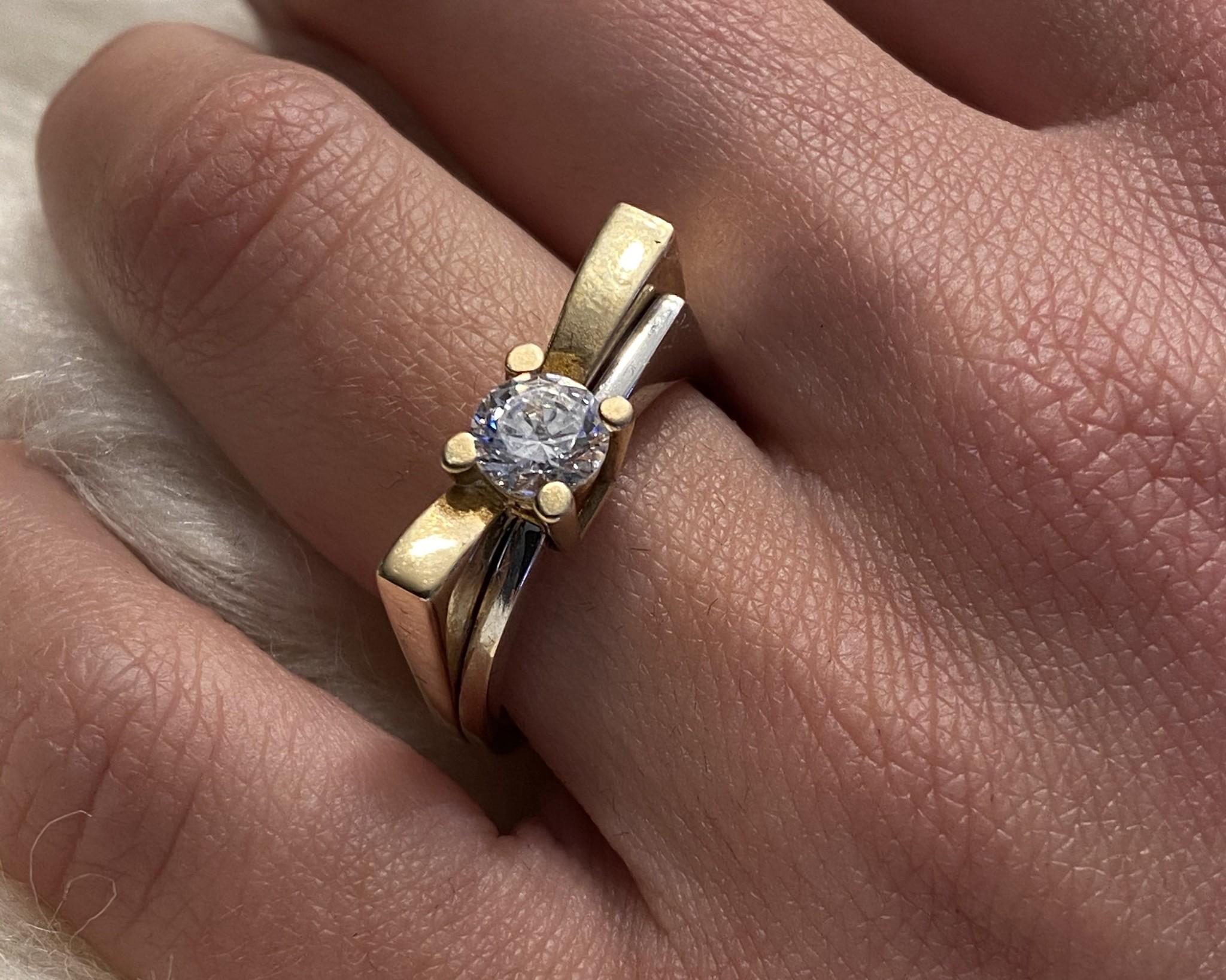 Ring bicolor met grote steen-4