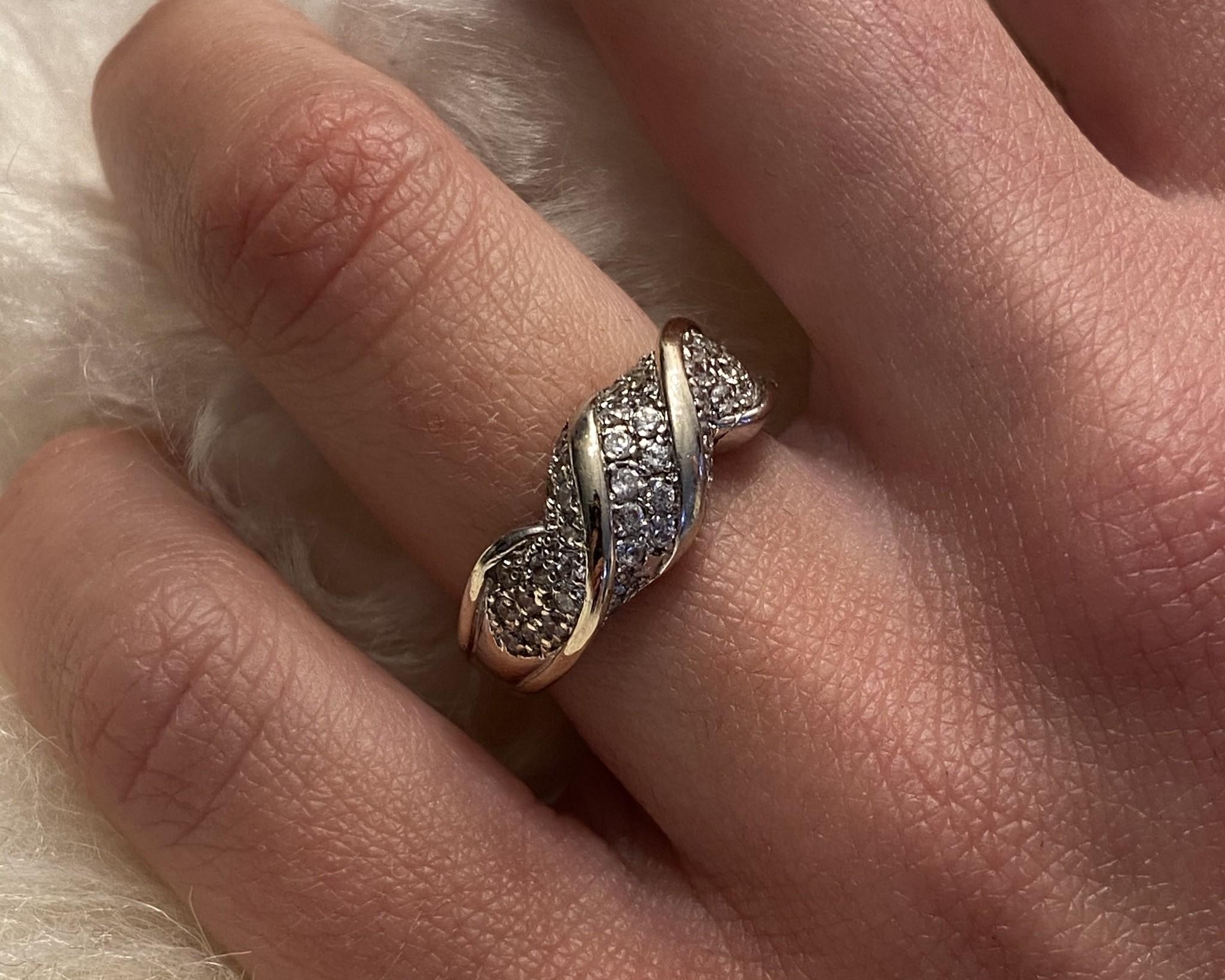 Ring witgoud met witte steentjes-4