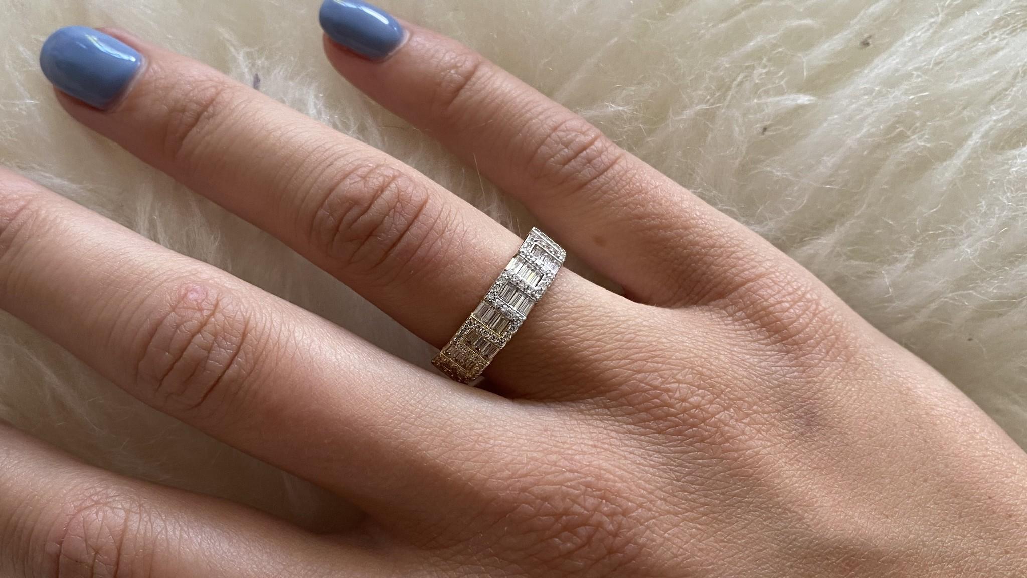 Ring met kantelen en langwerpige zirkonia's bicolor-2