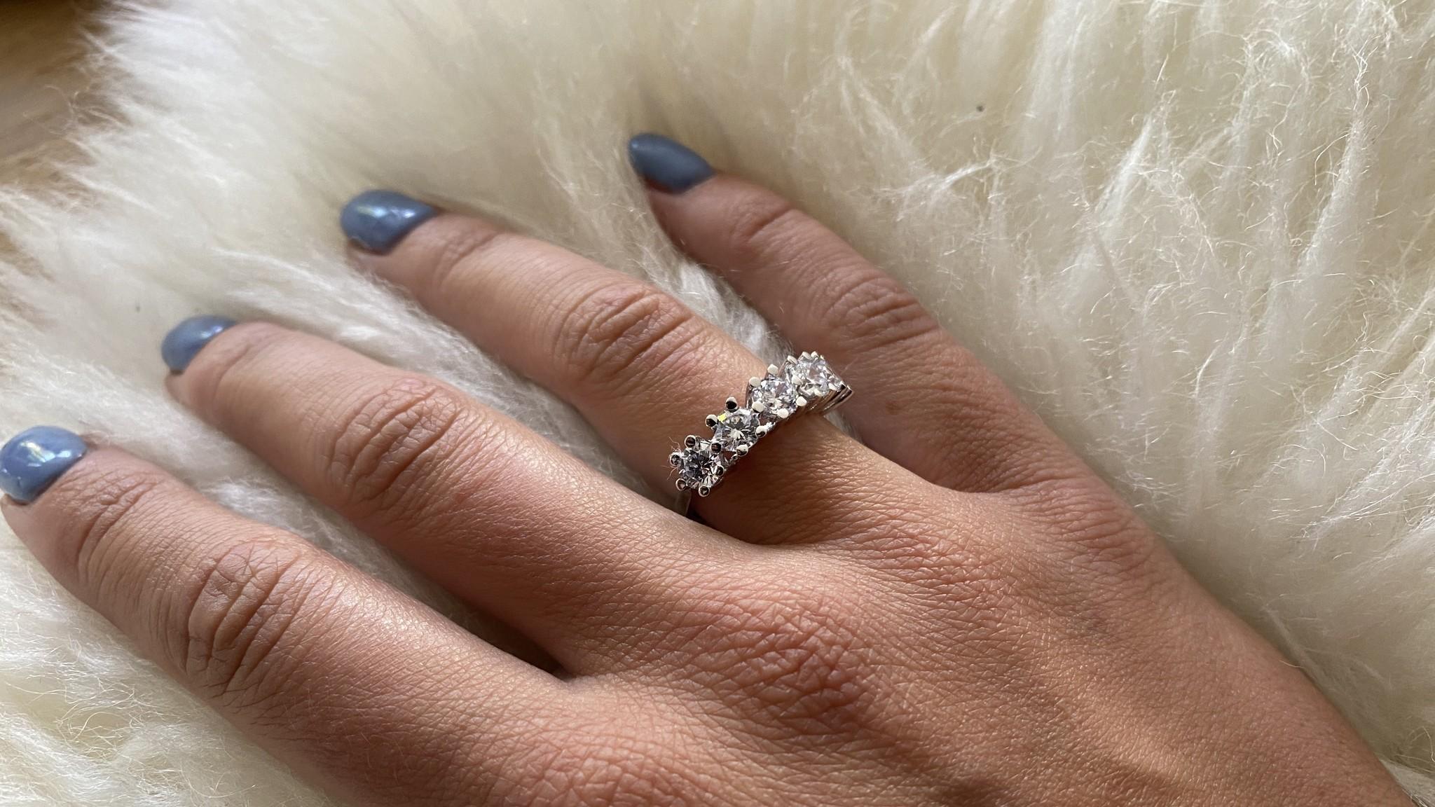 Ring met grote witte stenen witgoud-2
