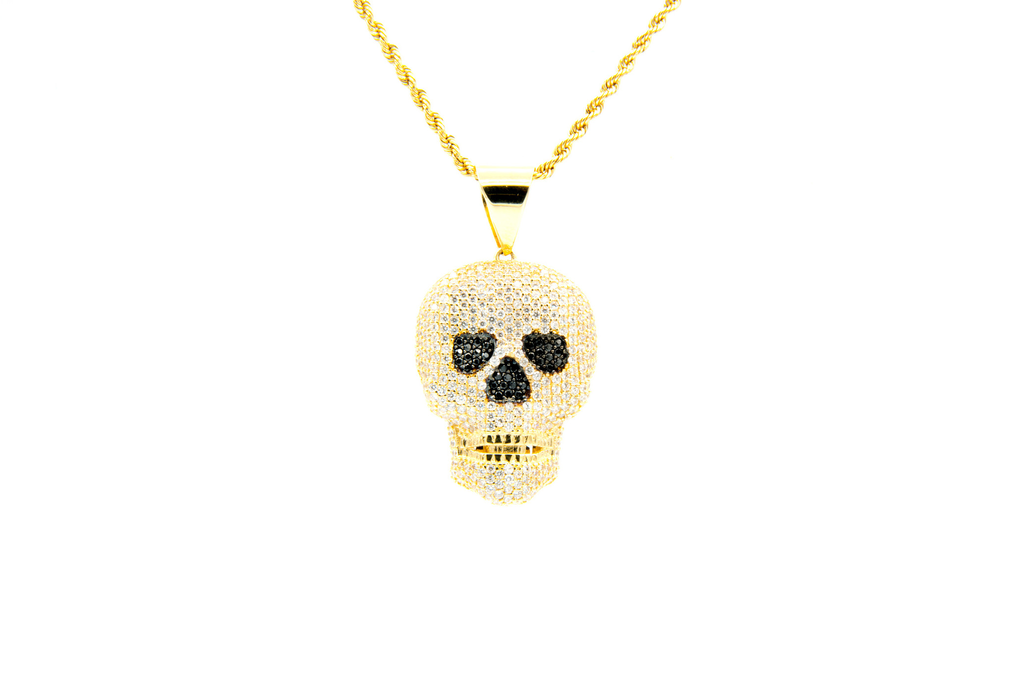 Hanger skull met witte en zwarte zirkonia's-1