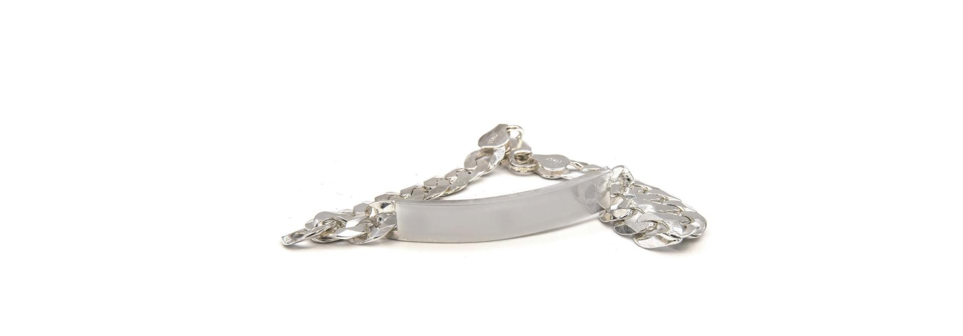Armband figaroschakel met graveerbaar plaatje zilver