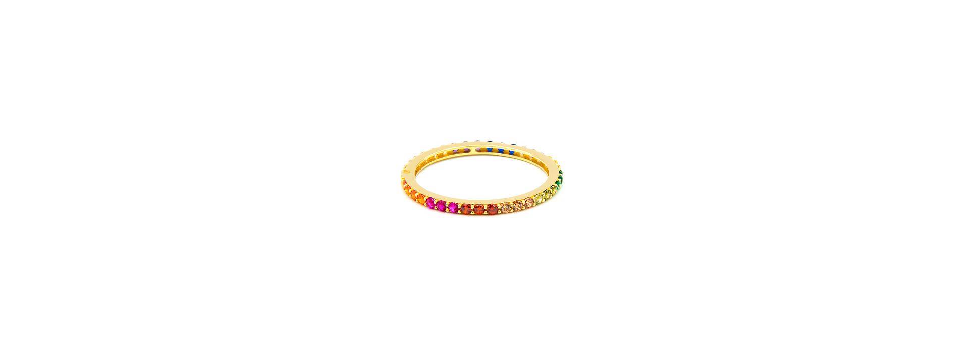 Ring ingezet met zirkonia's in regenboogkleuren