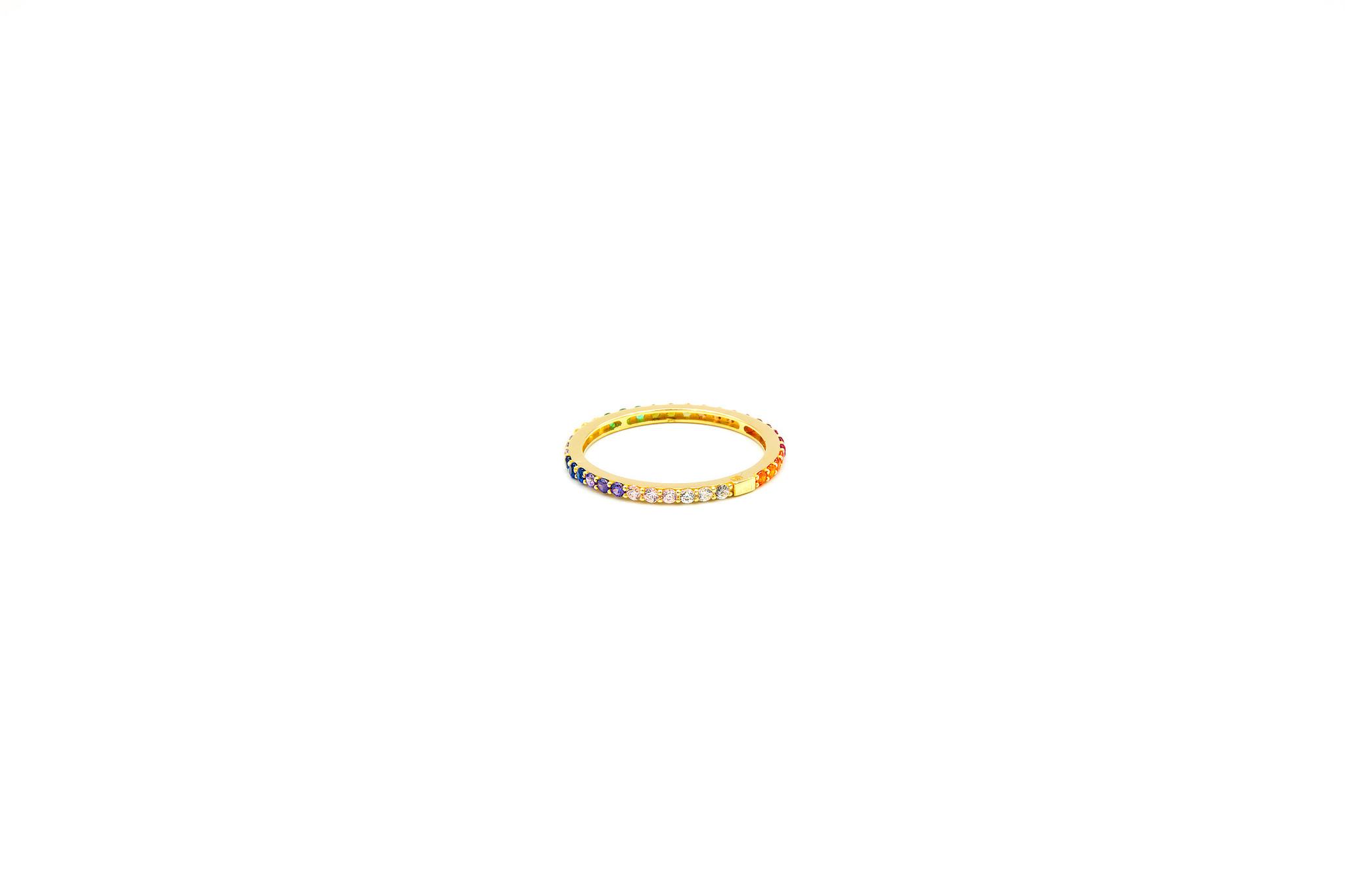 Ring ingezet met zirkonia's in regenboogkleuren-2