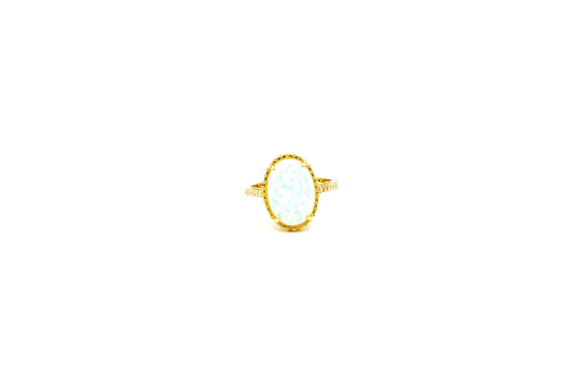 Ring met ovale kunstopaal en zirkonia's-1