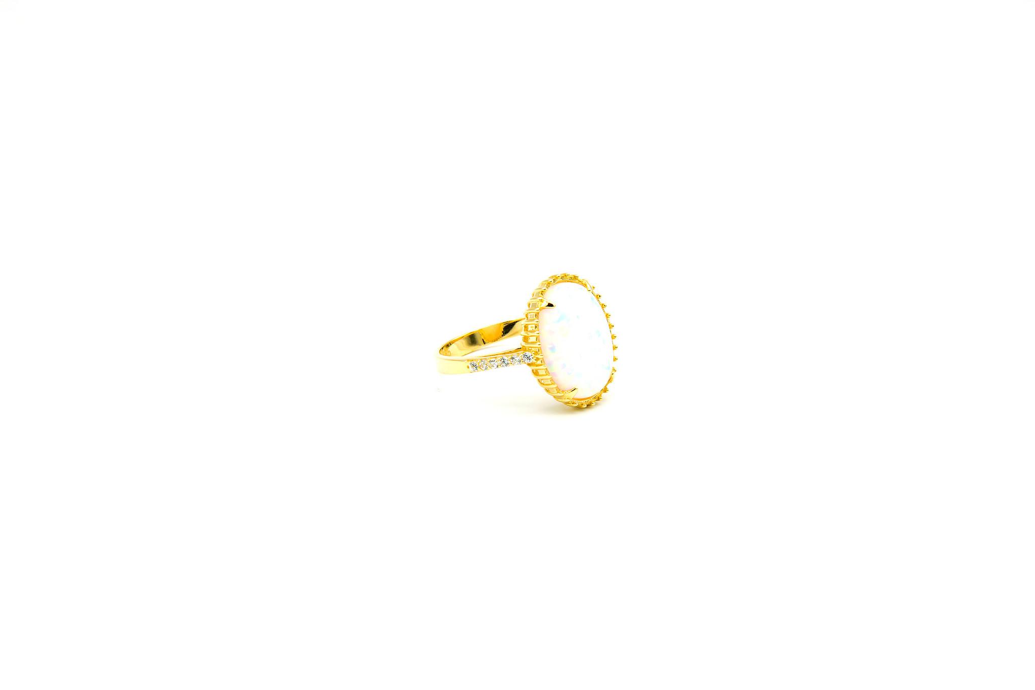 Ring met ovale kunstopaal en zirkonia's-3