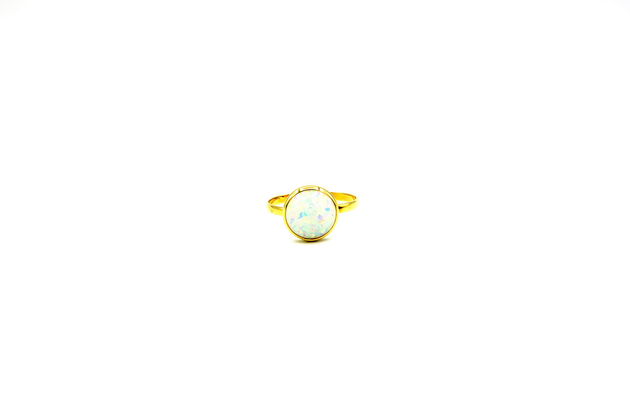 Ring met ronde witte Gilson opaal 9mm-1