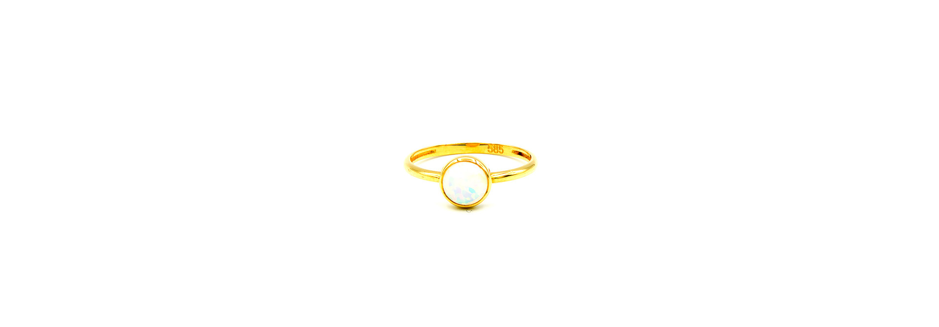 Ring met ronde witte Gilson opaal
