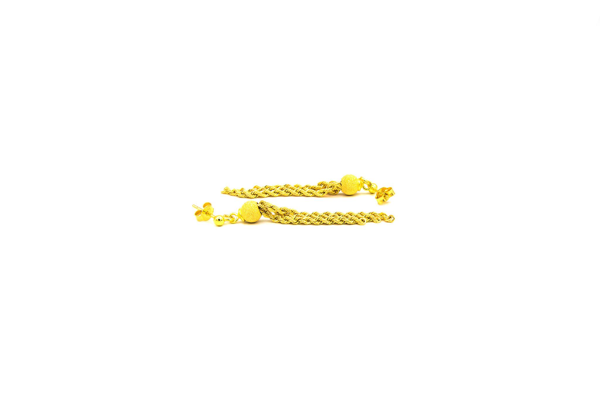 Oorbellen gematteerde balletjes met rope chain sliertjes-2