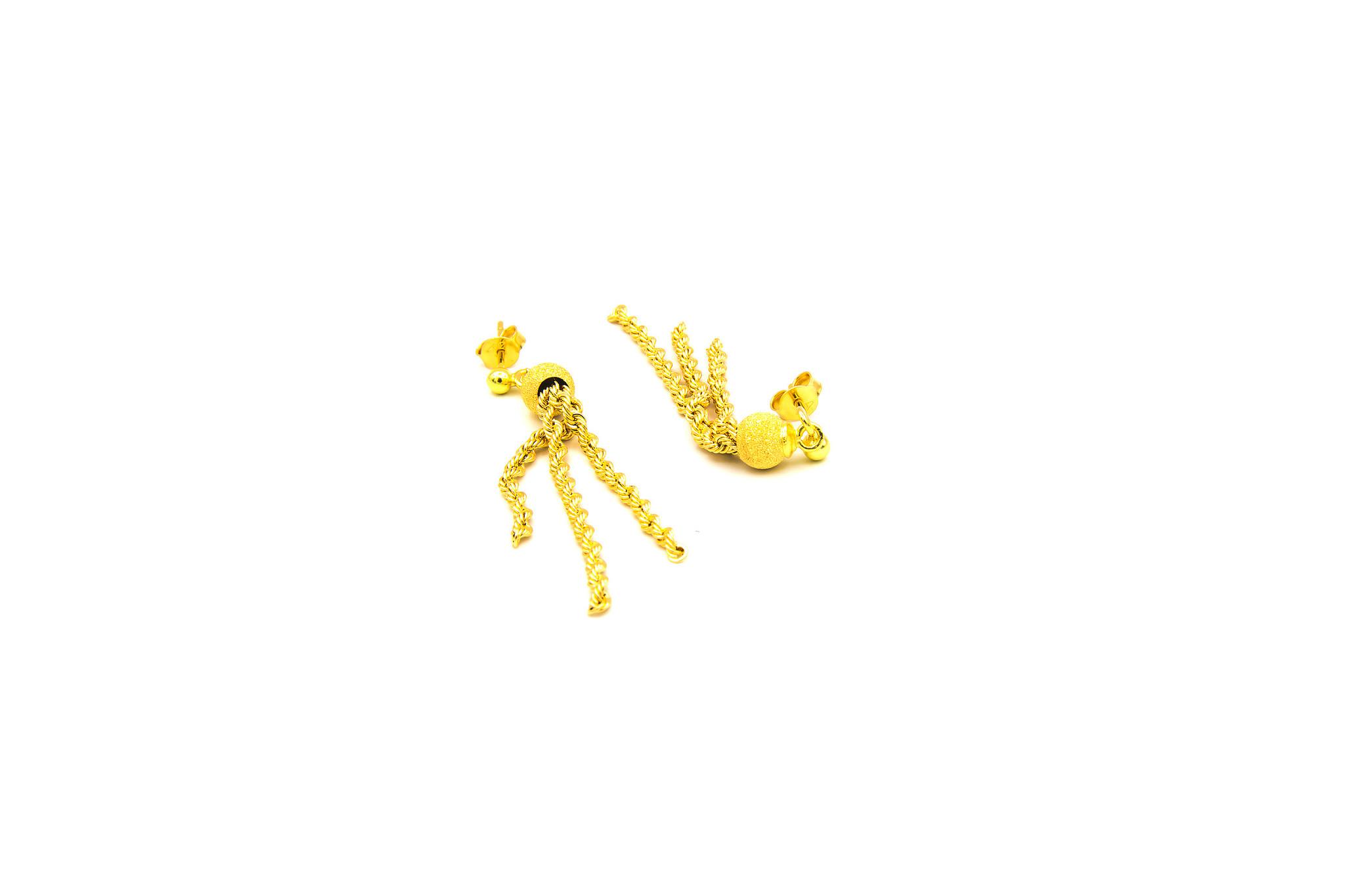 Oorbellen gematteerde balletjes met rope chain sliertjes-4