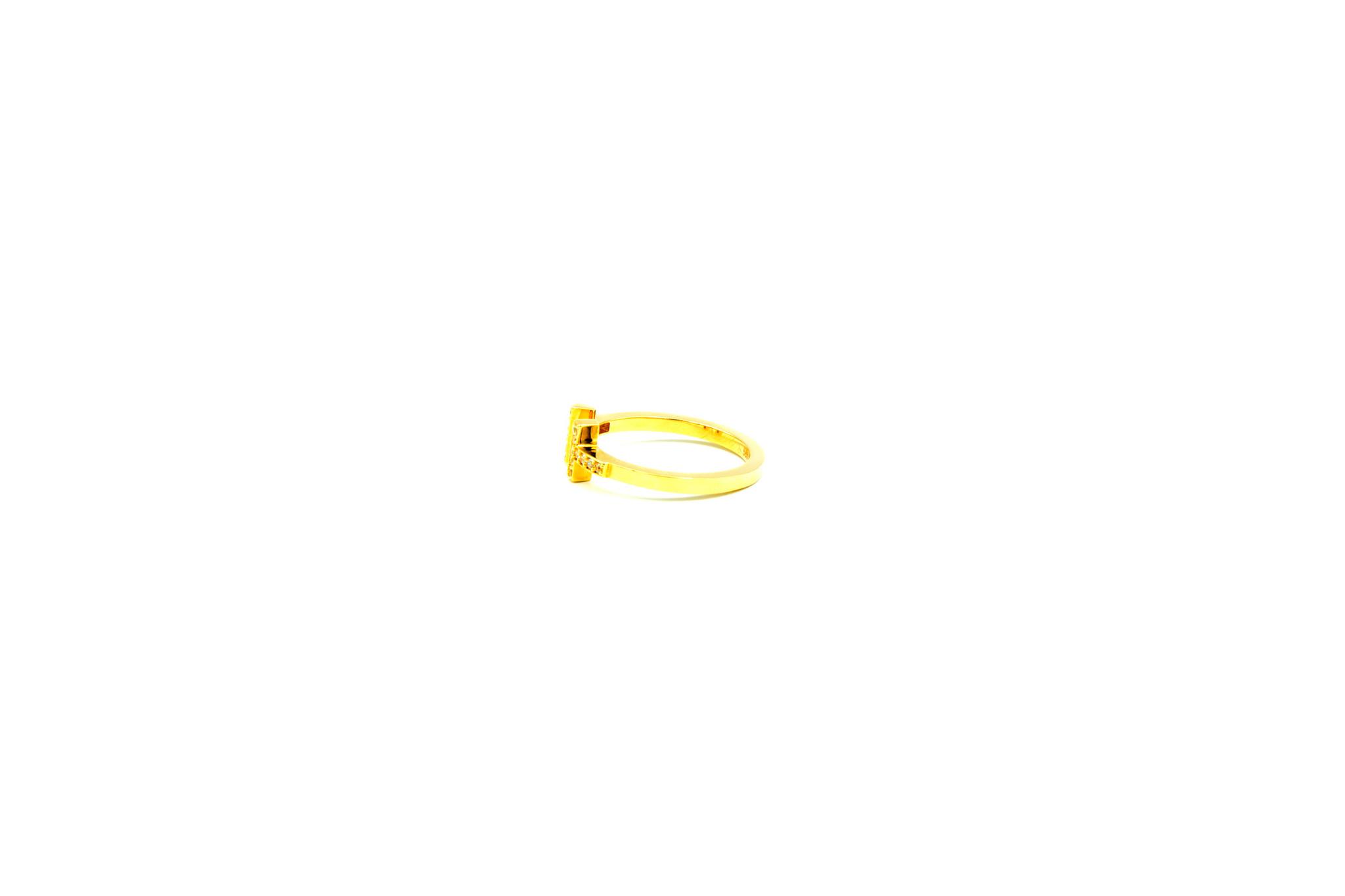 Ring met open afgeplatte scheen en zirkonia's-4