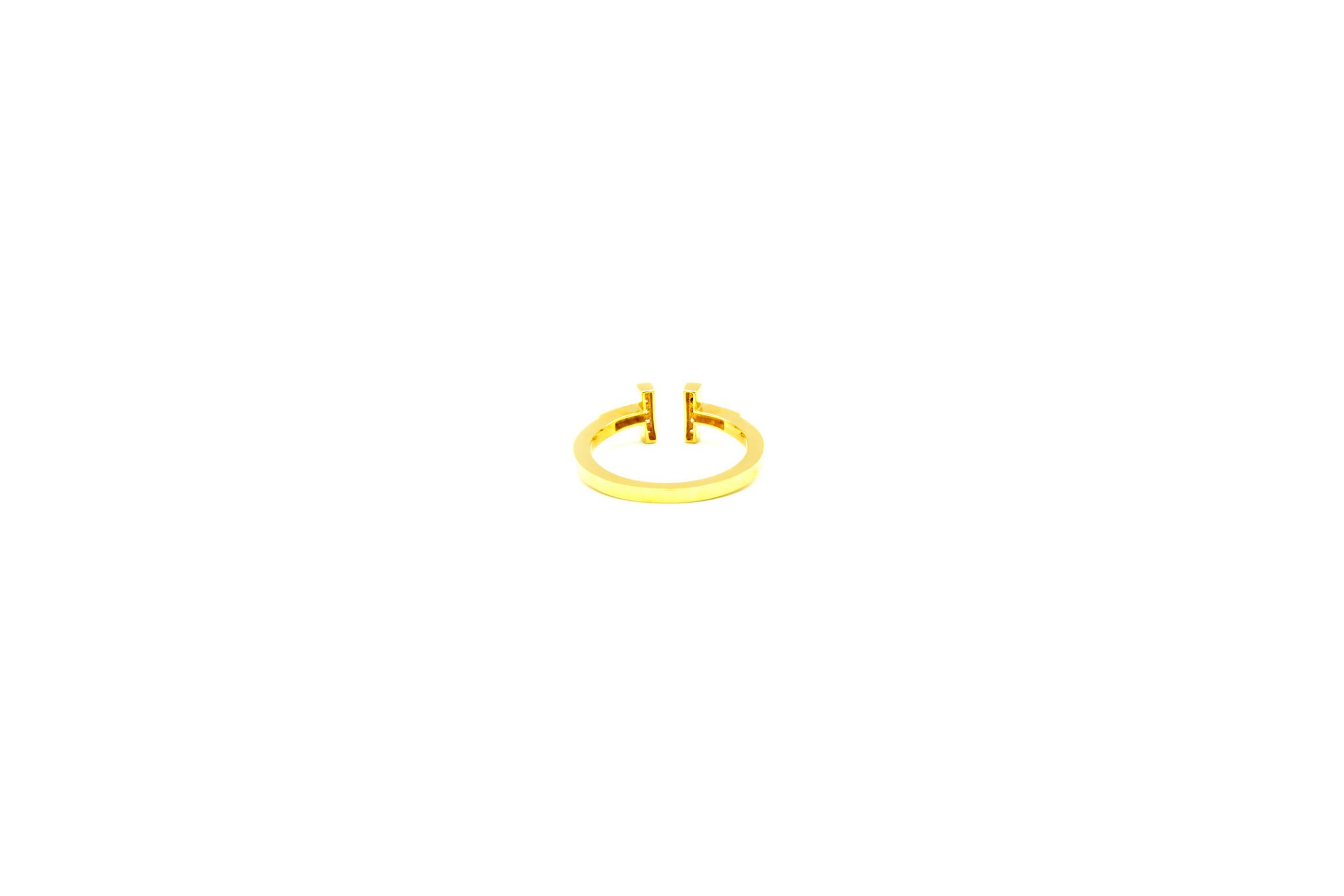 Ring met open afgeplatte scheen en zirkonia's-5