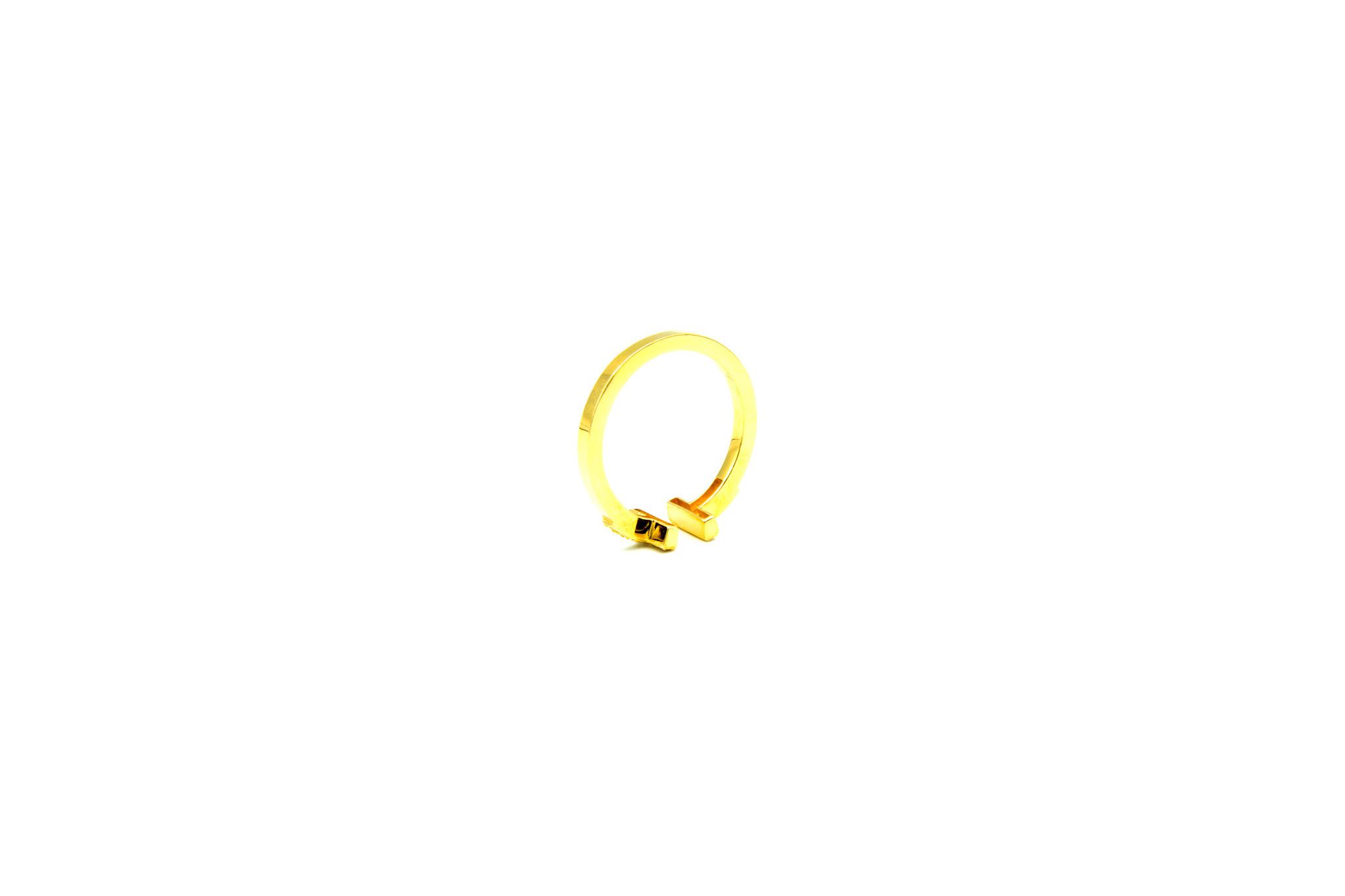 Ring met open afgeplatte scheen en zirkonia's-6