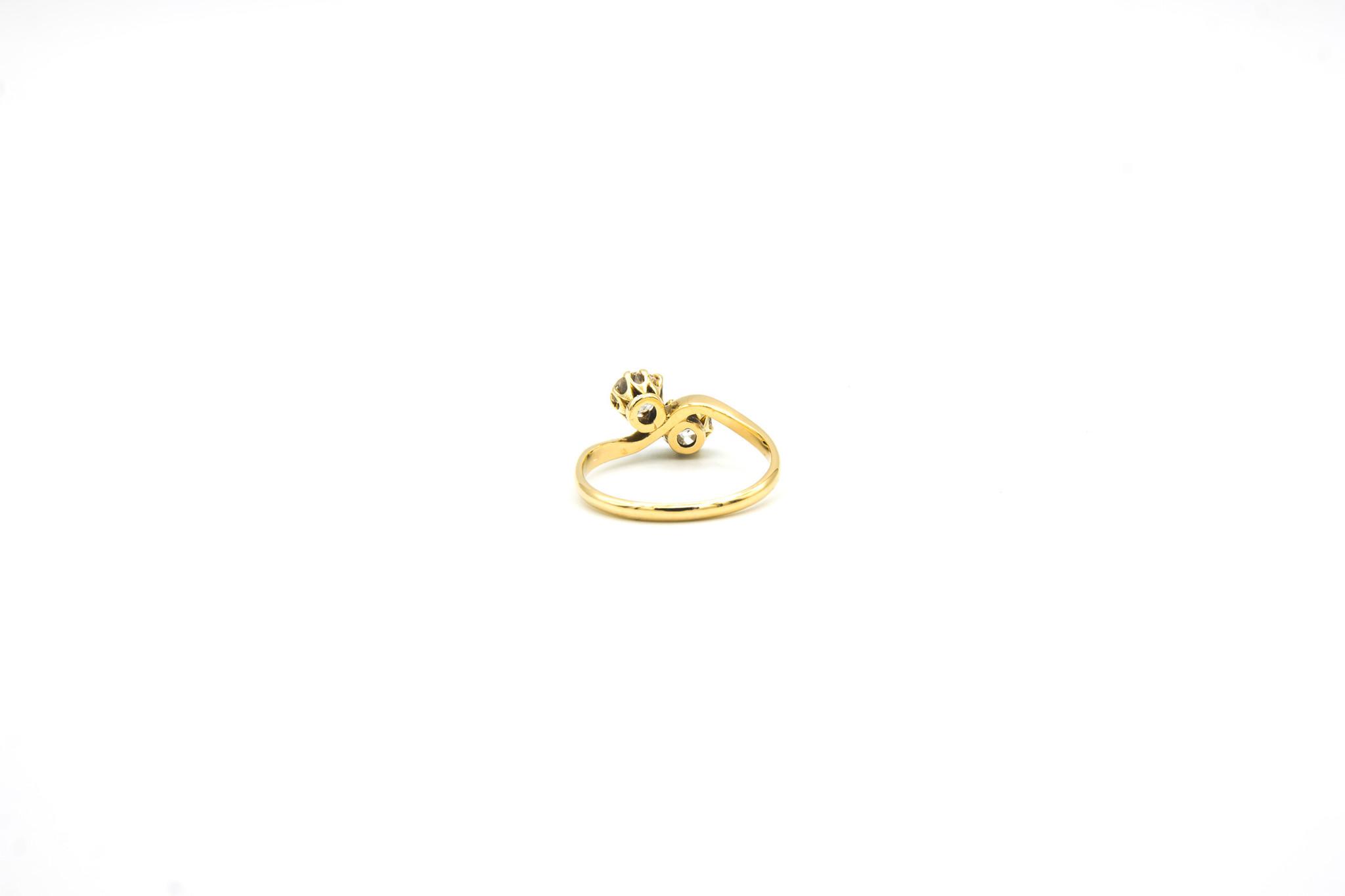 Ring met 2 diamanten-2