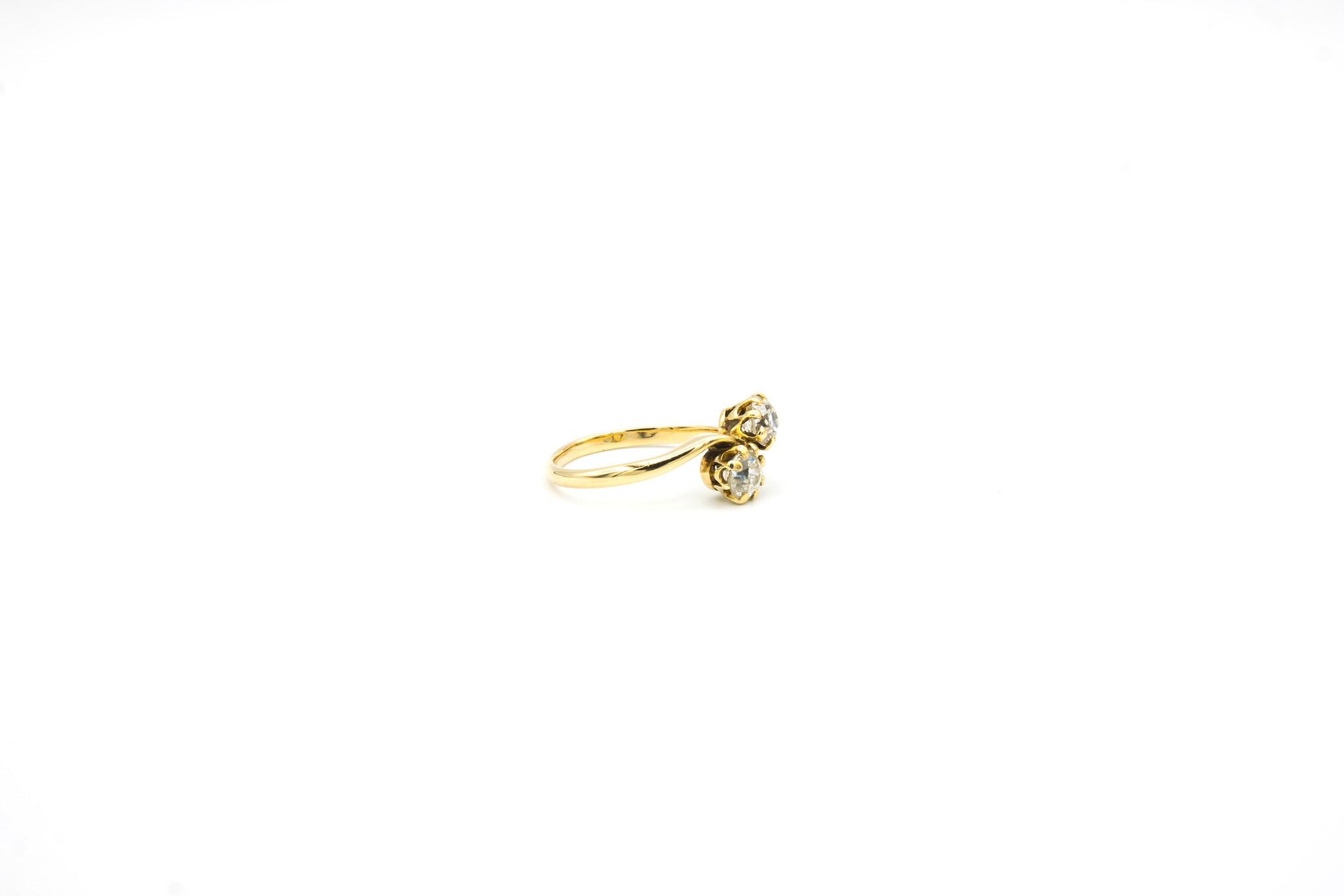 Ring met 2 diamanten-4