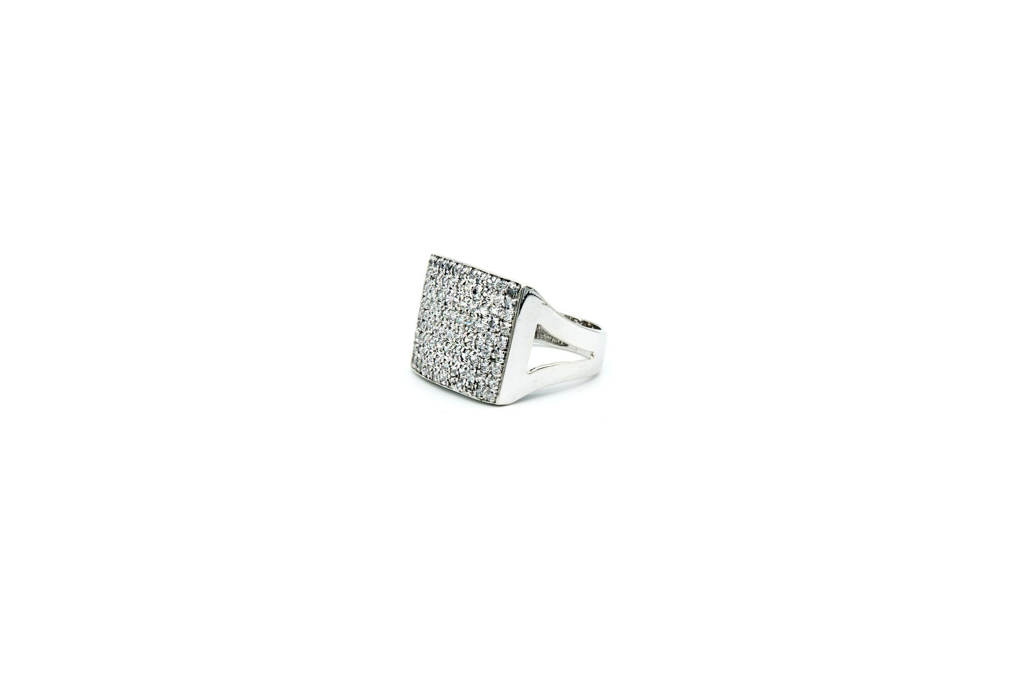 Ring met brede zegel met zirkonia-1