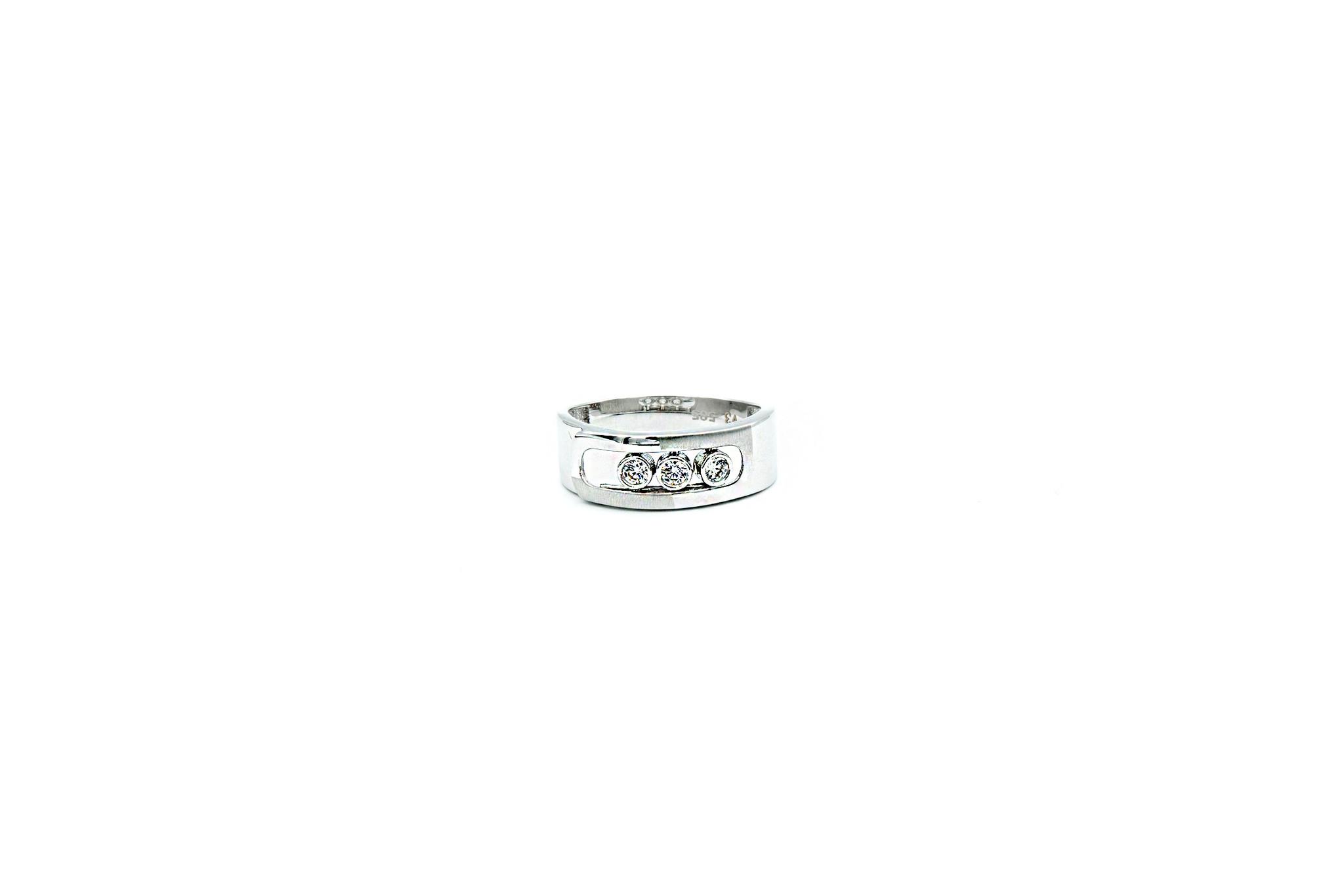 Ring witgoud met 3 schuifbare zirkonia's-2