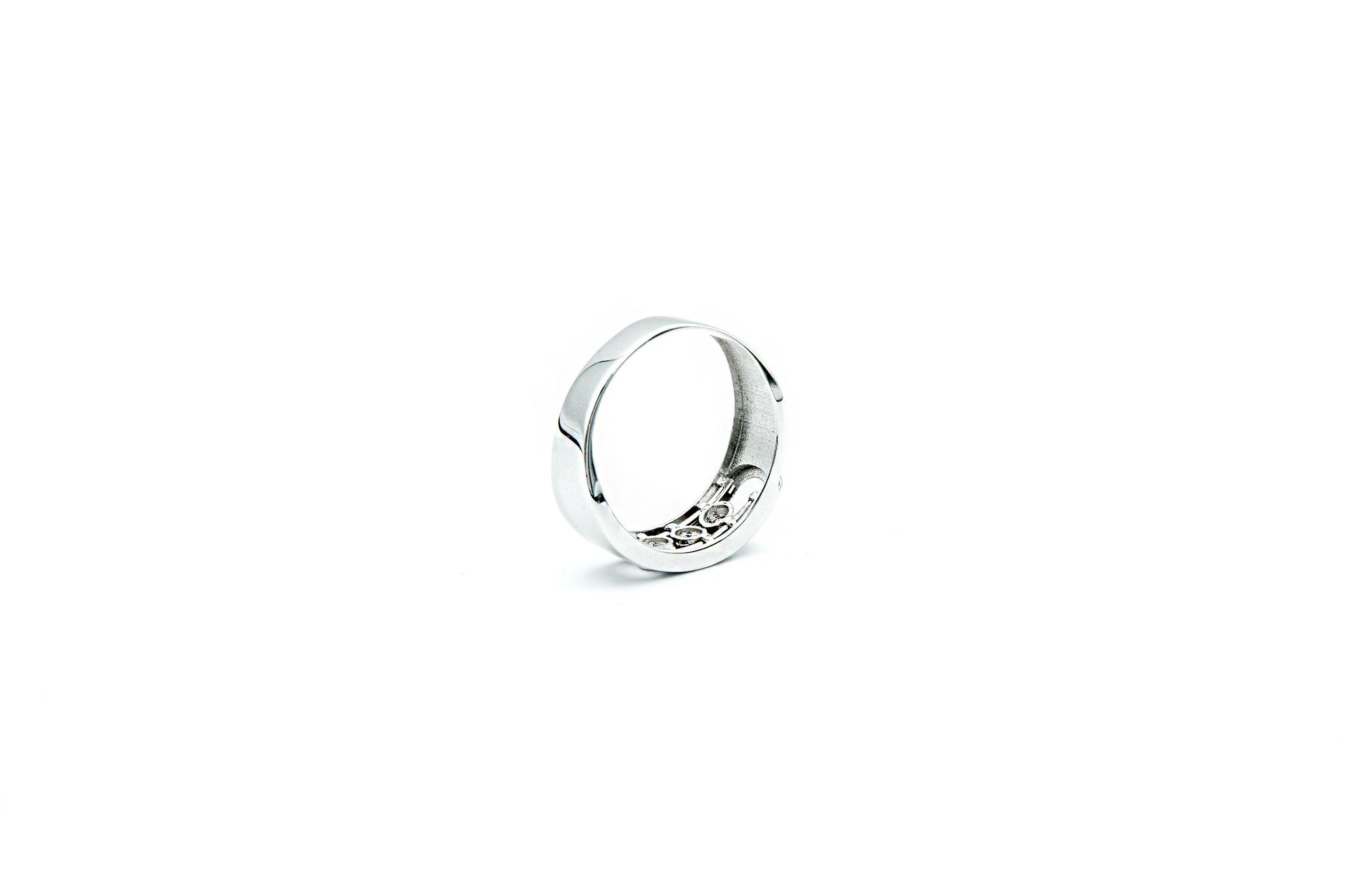 Ring witgoud met 3 schuifbare zirkonia's-6