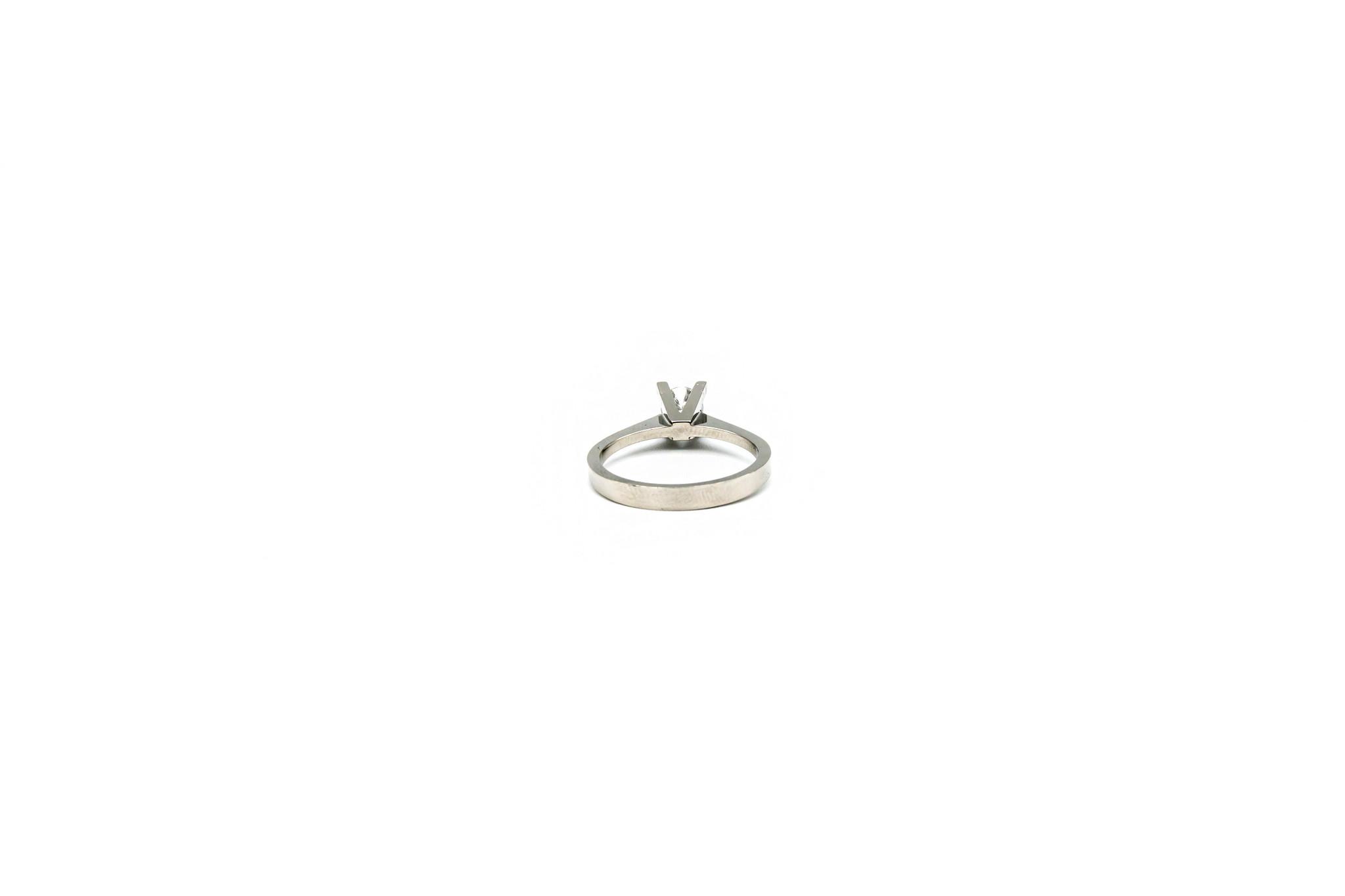 Ring solitair met diamant-3