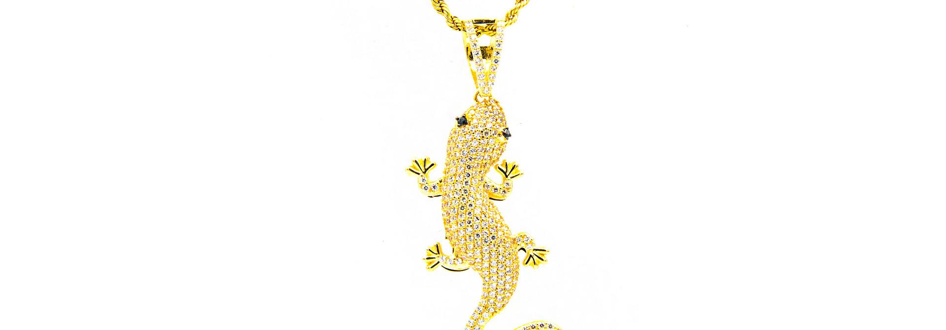 Hanger salamander bezet met 2 kleuren zirkonia's