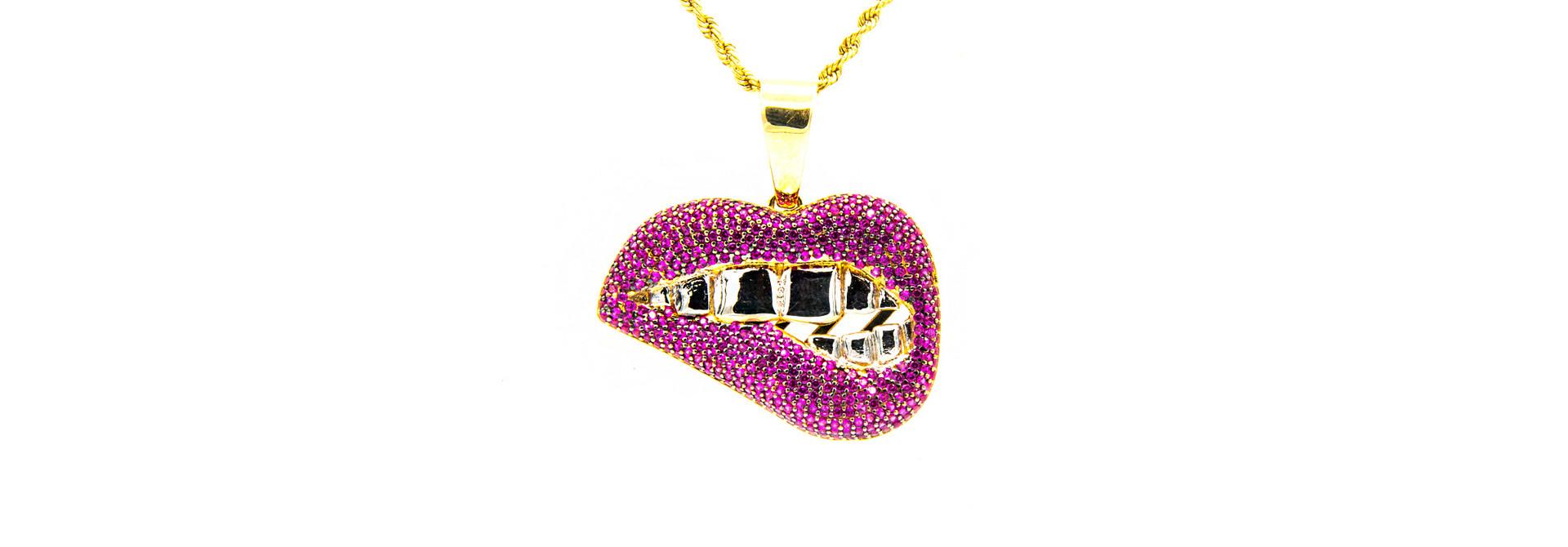 Hanger mond met roze zirkonia's bicolor