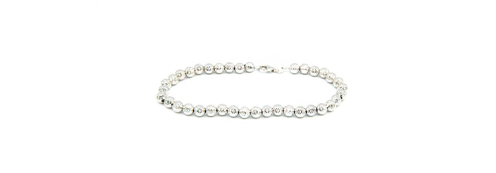 Armband met gediamanteerde grote bolletjes