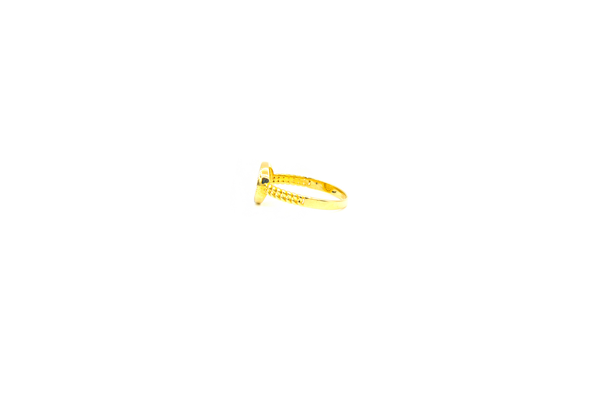 Ring rond bezet met zirkonia's-3