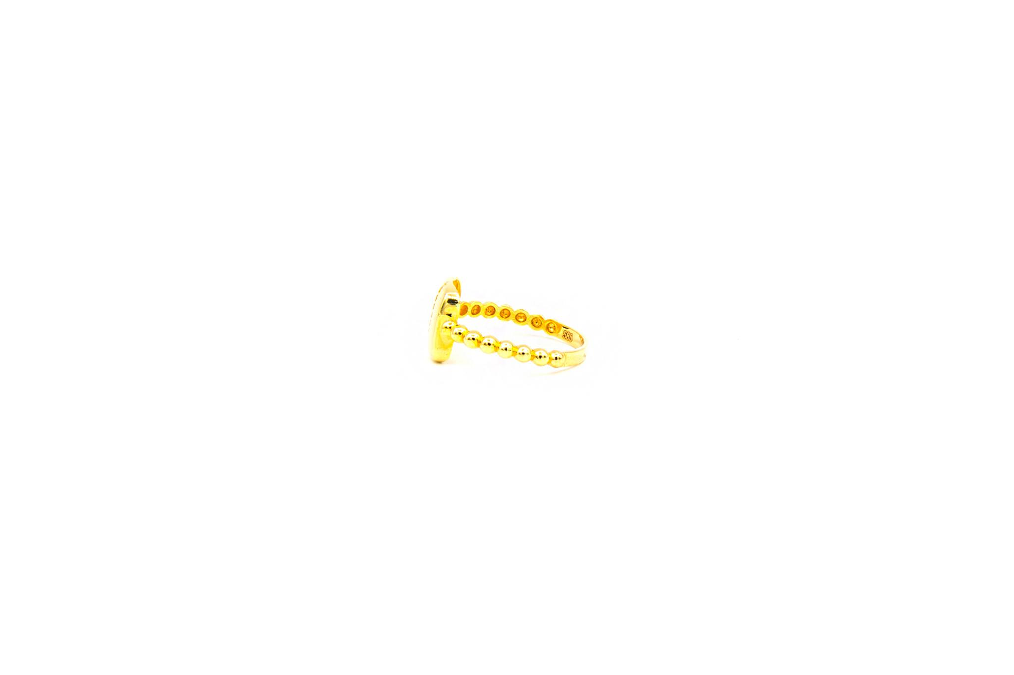Ring vierkant bezet met rij zirkonia's-3