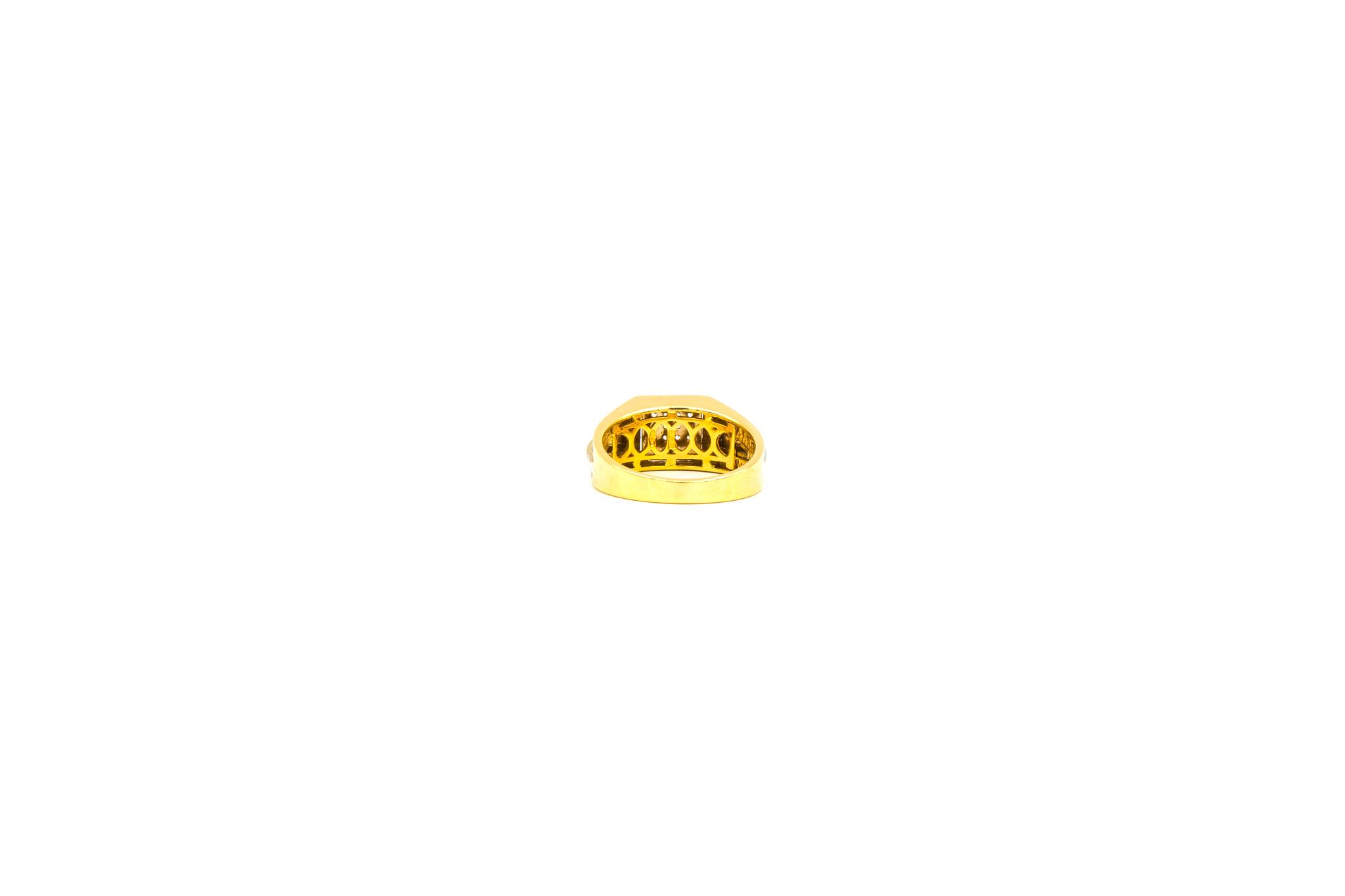 Ring zegel bicolor bezet met zirkonia's-8