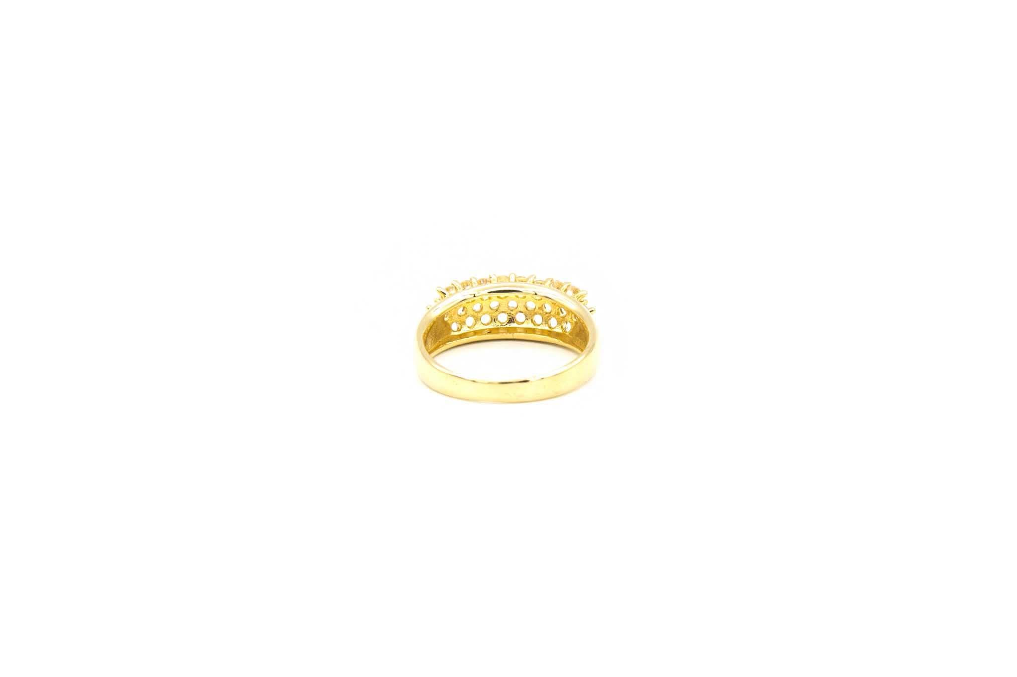 Ring ingezet met driedubbele rij zirkonia's-4