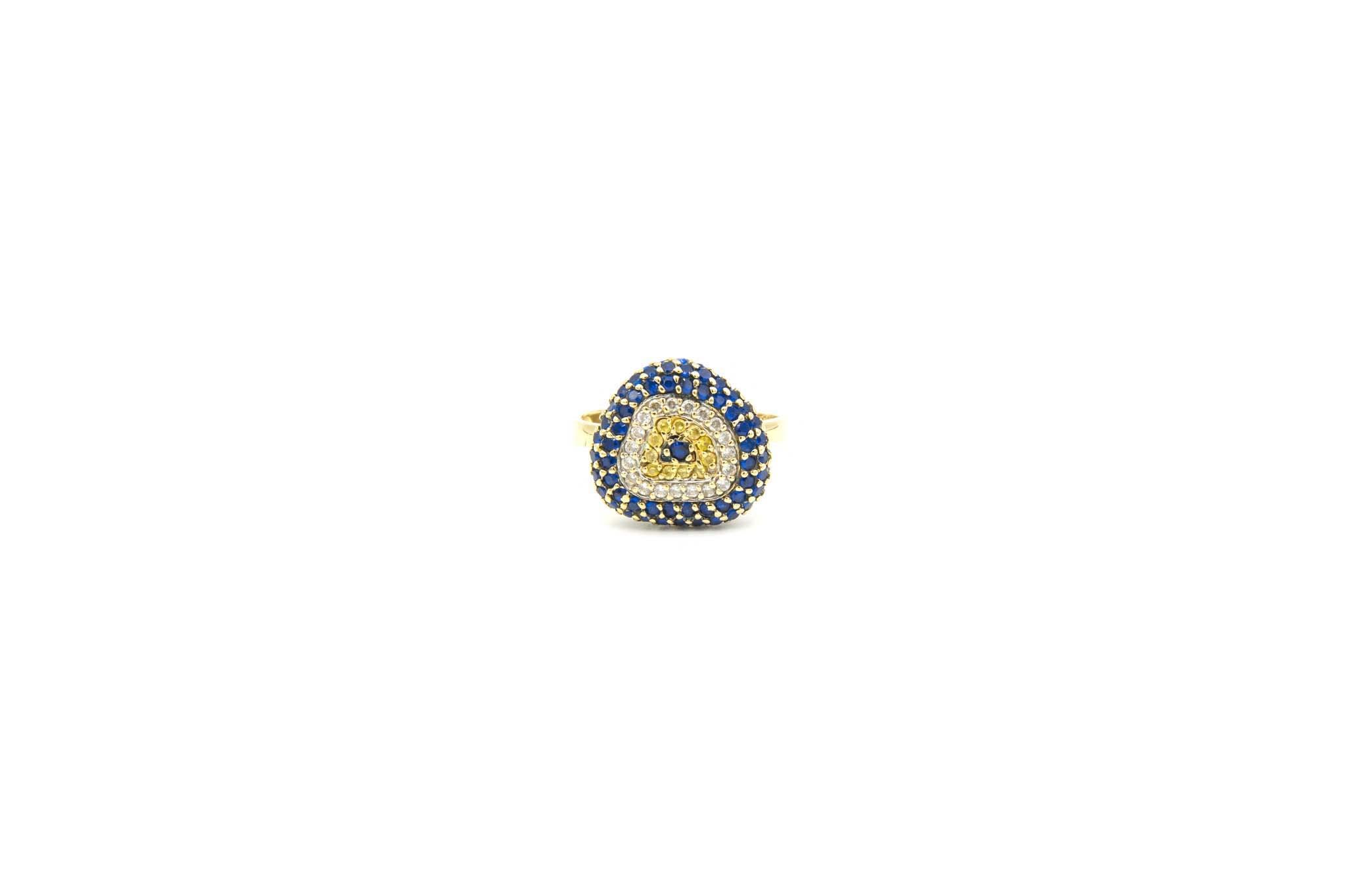 Ring met decoratie met drie kleuren zirkonia's-1