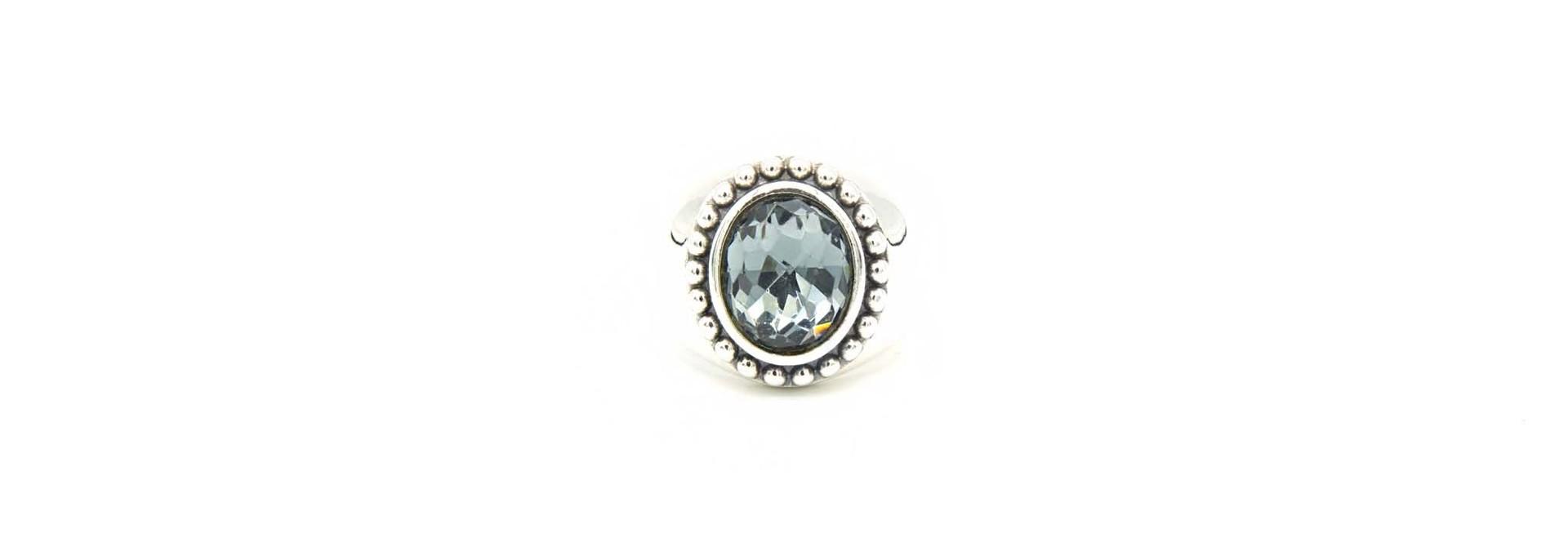 Ring met grijsblauwe steen