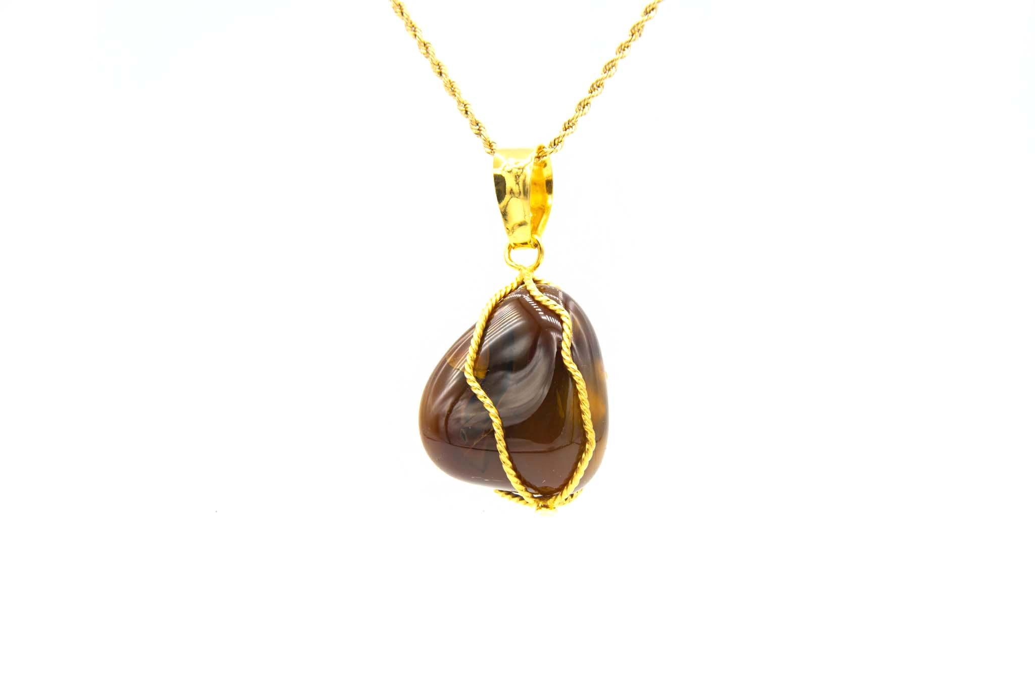 Hanger met bruine steen in gouddraad-1