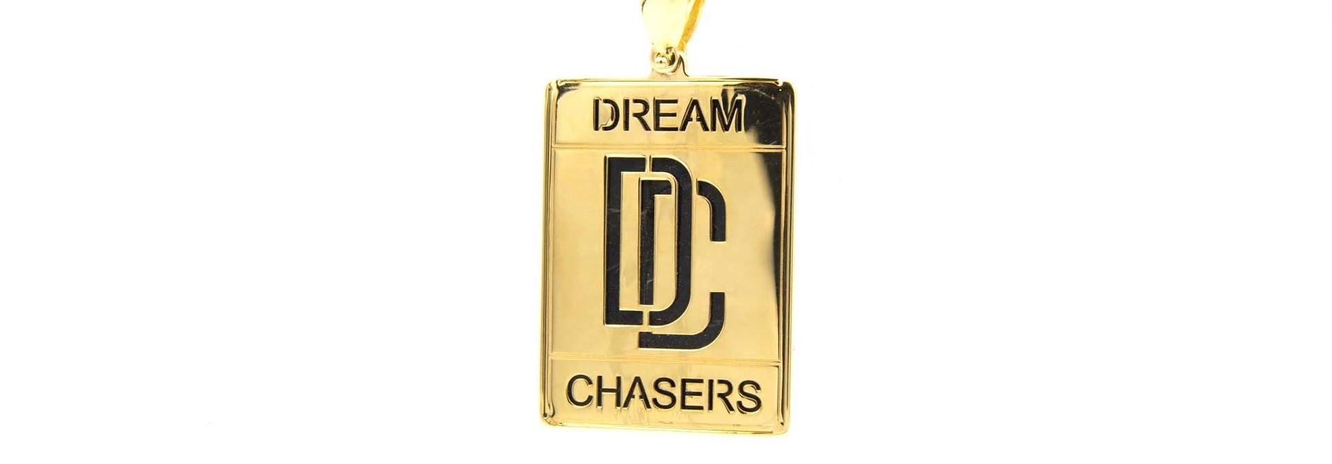 Hanger Dream Chaser glanzend met opengewerkte letters Large