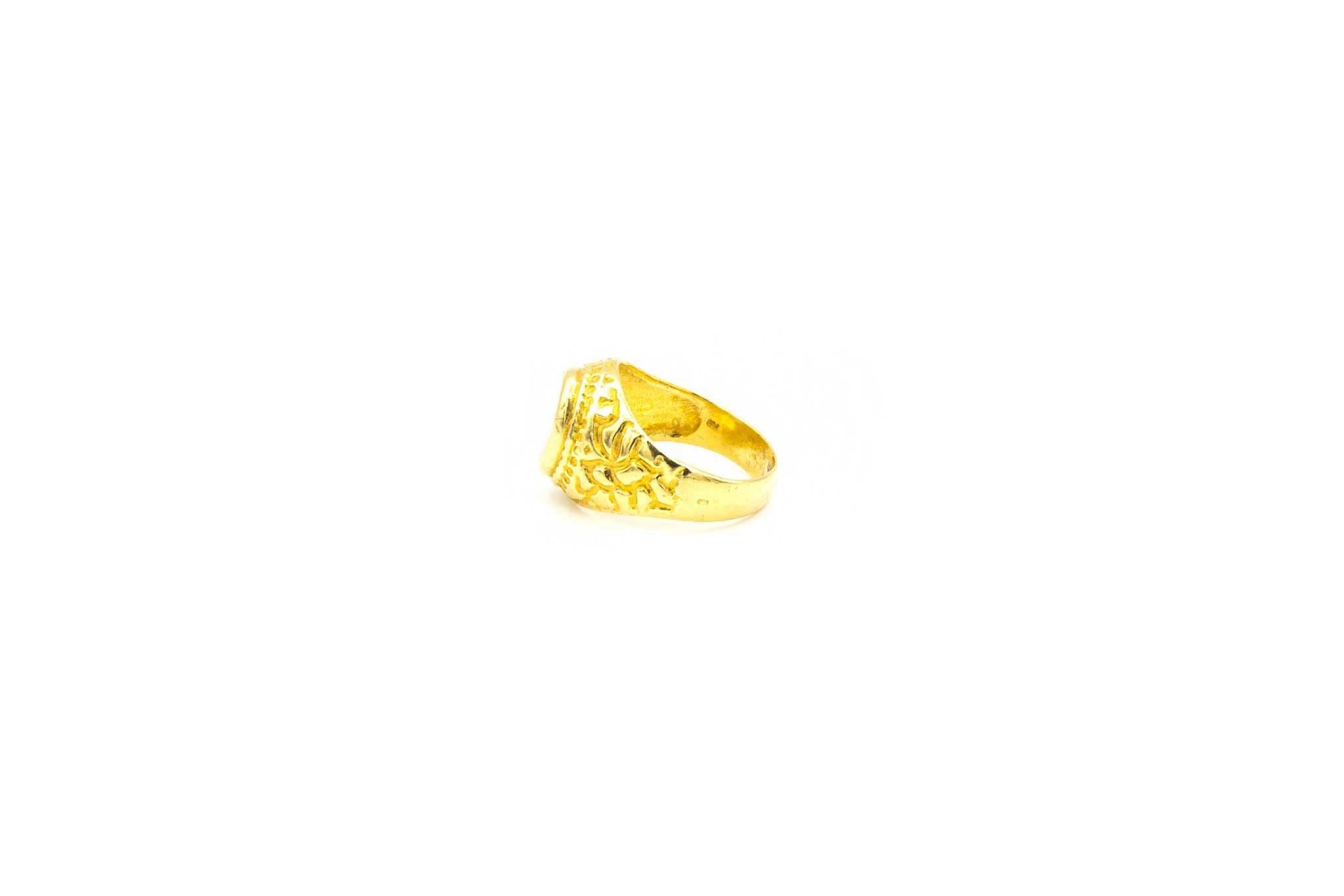 Ring met bewerkte zijkanten en ovale witte steen-5