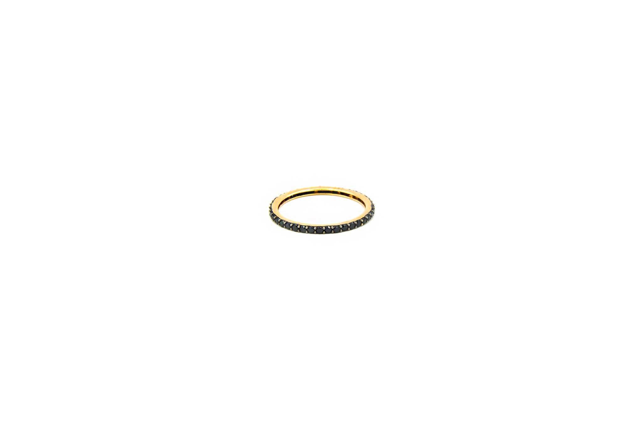 Ring volledig ingelegd met zwarte zirkonia's-1