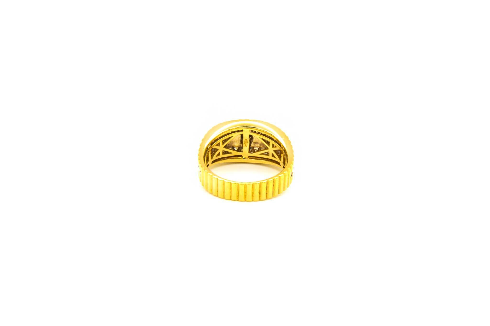 Ring met kroontje en ingelegd met zirkonia's bicolor-4