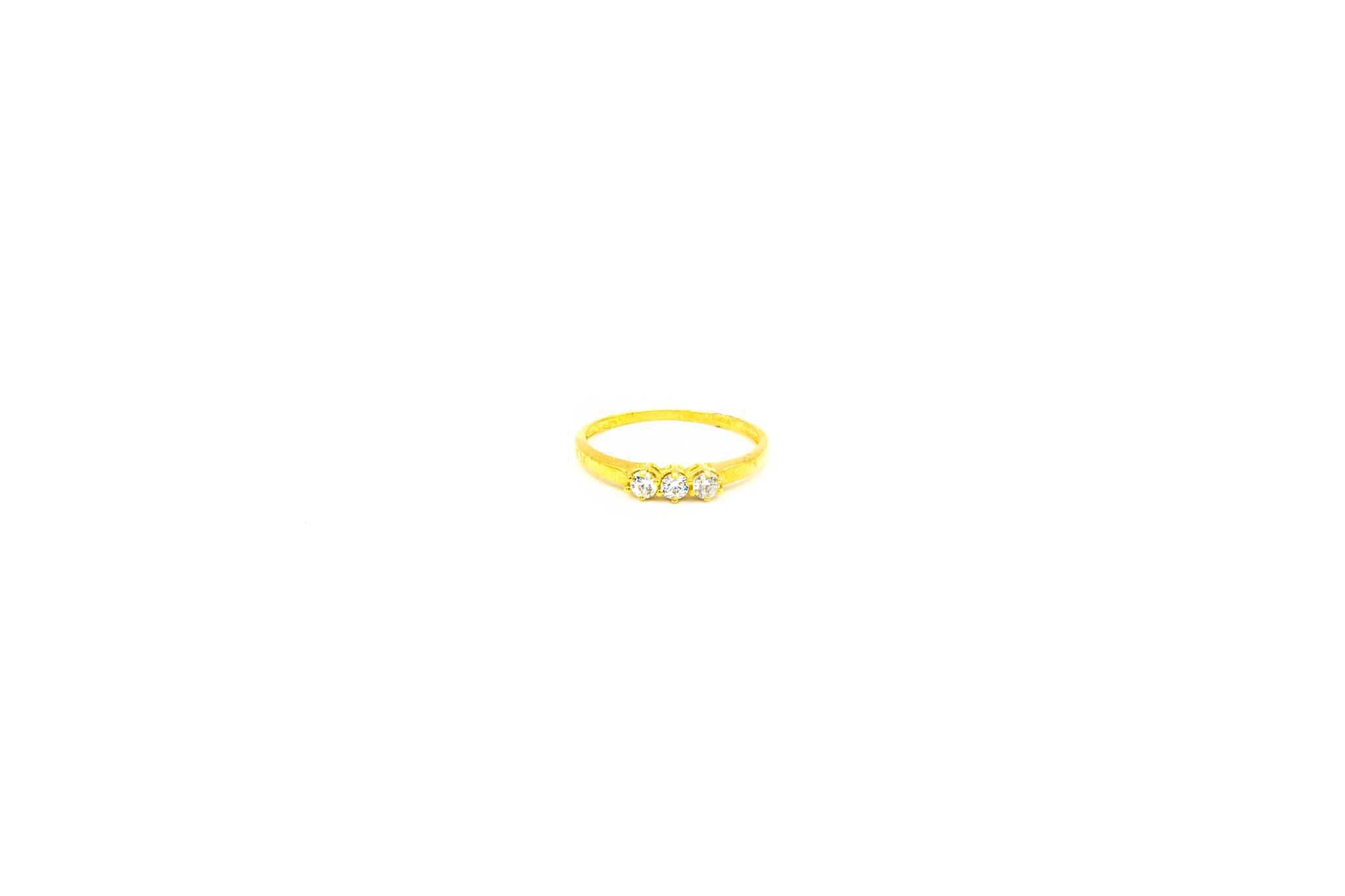 Ring met drie zirkonia's-1