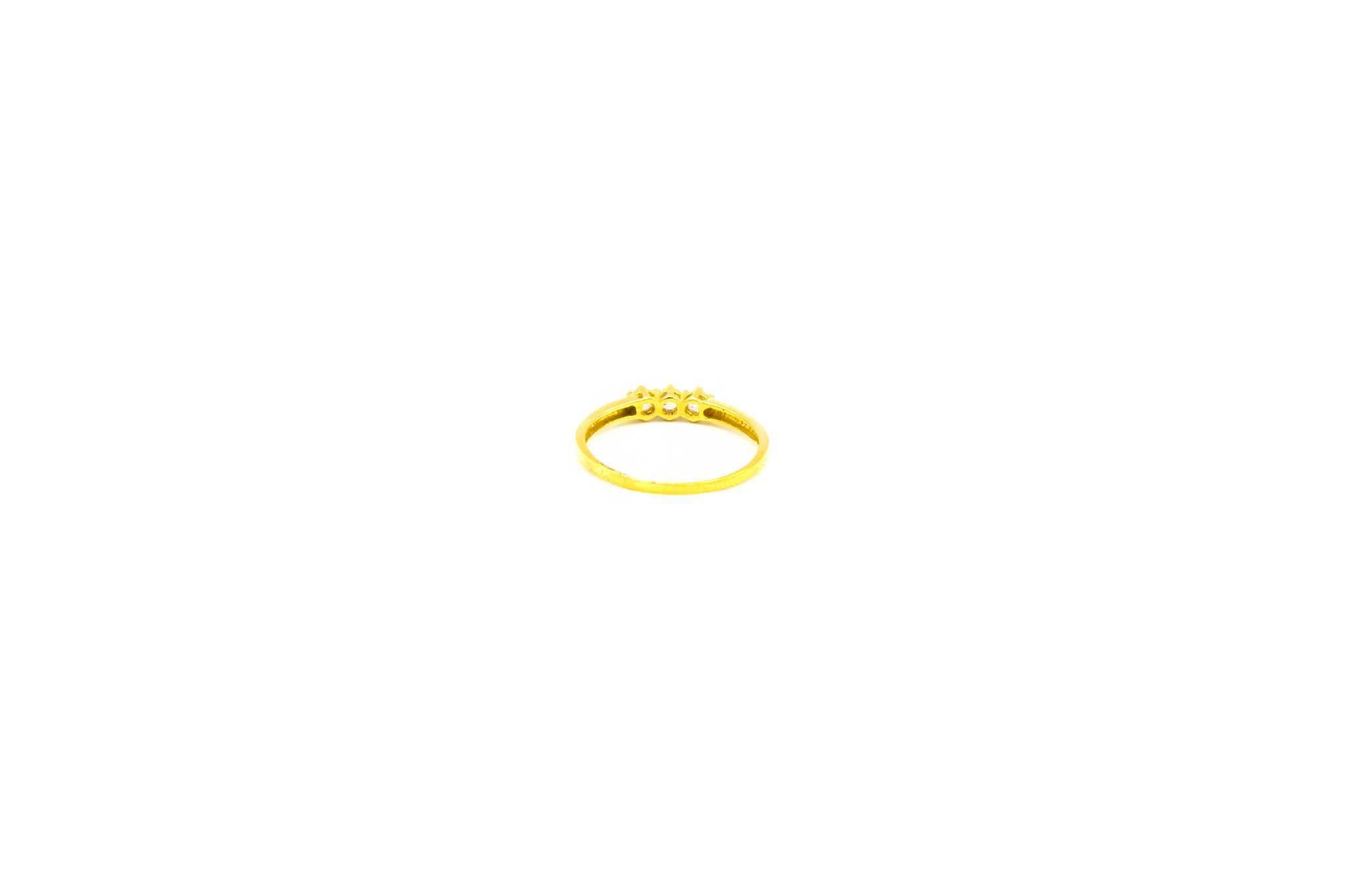 Ring met drie zirkonia's-3