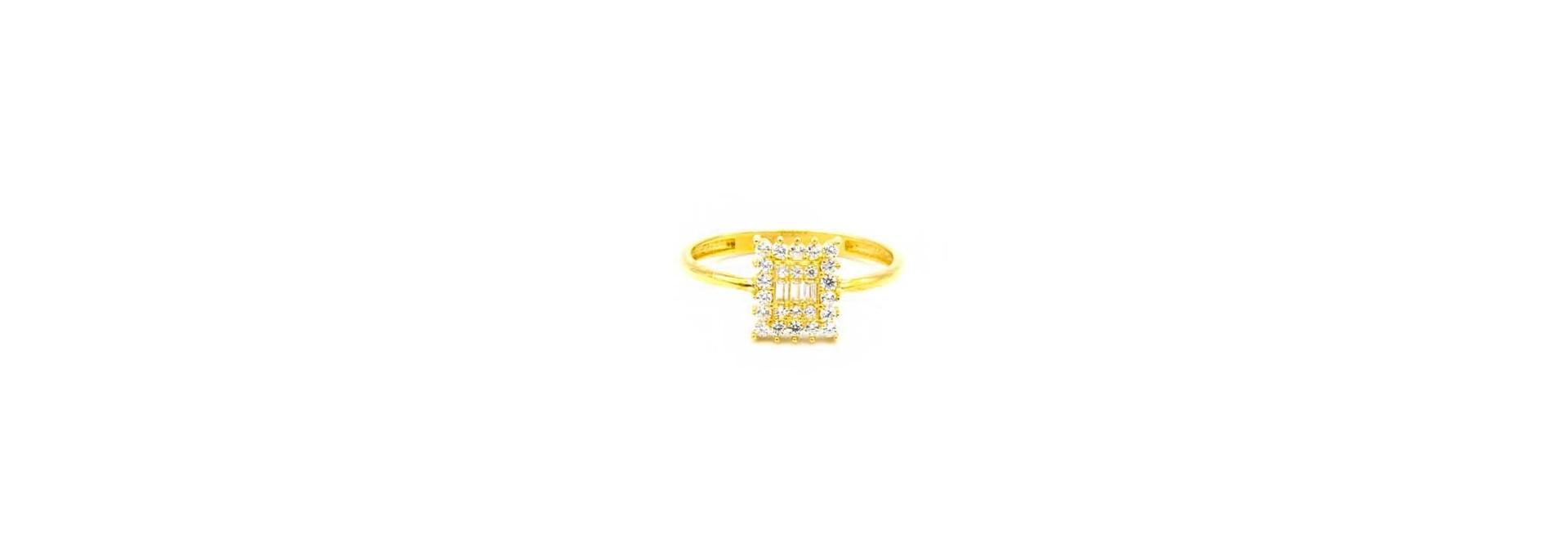 Ring met verschillende zirkonia's
