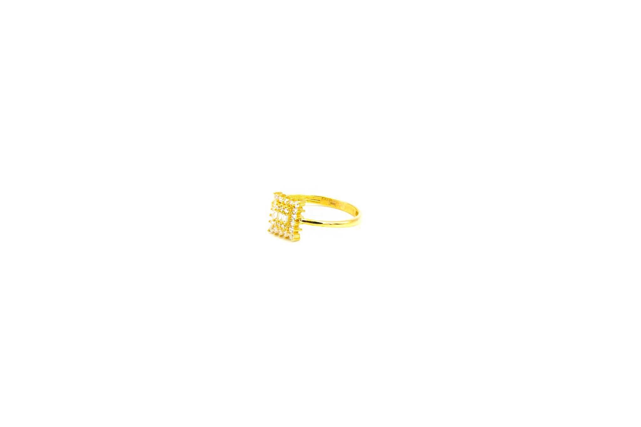 Ring met verschillende zirkonia's-2