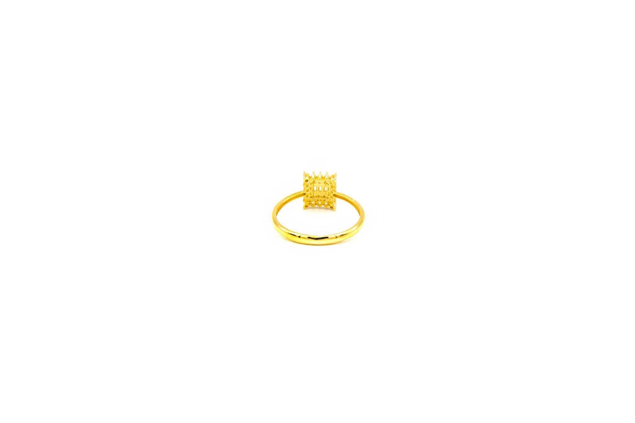 Ring met verschillende zirkonia's-3