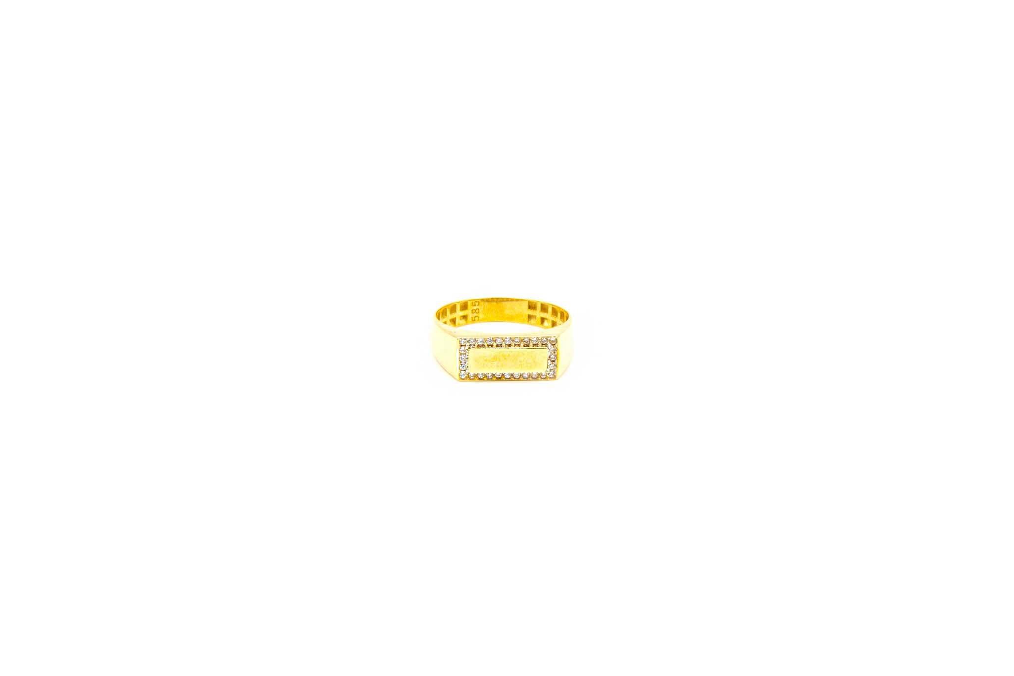 Ring met smalle zegel omlijst met zironia's-1